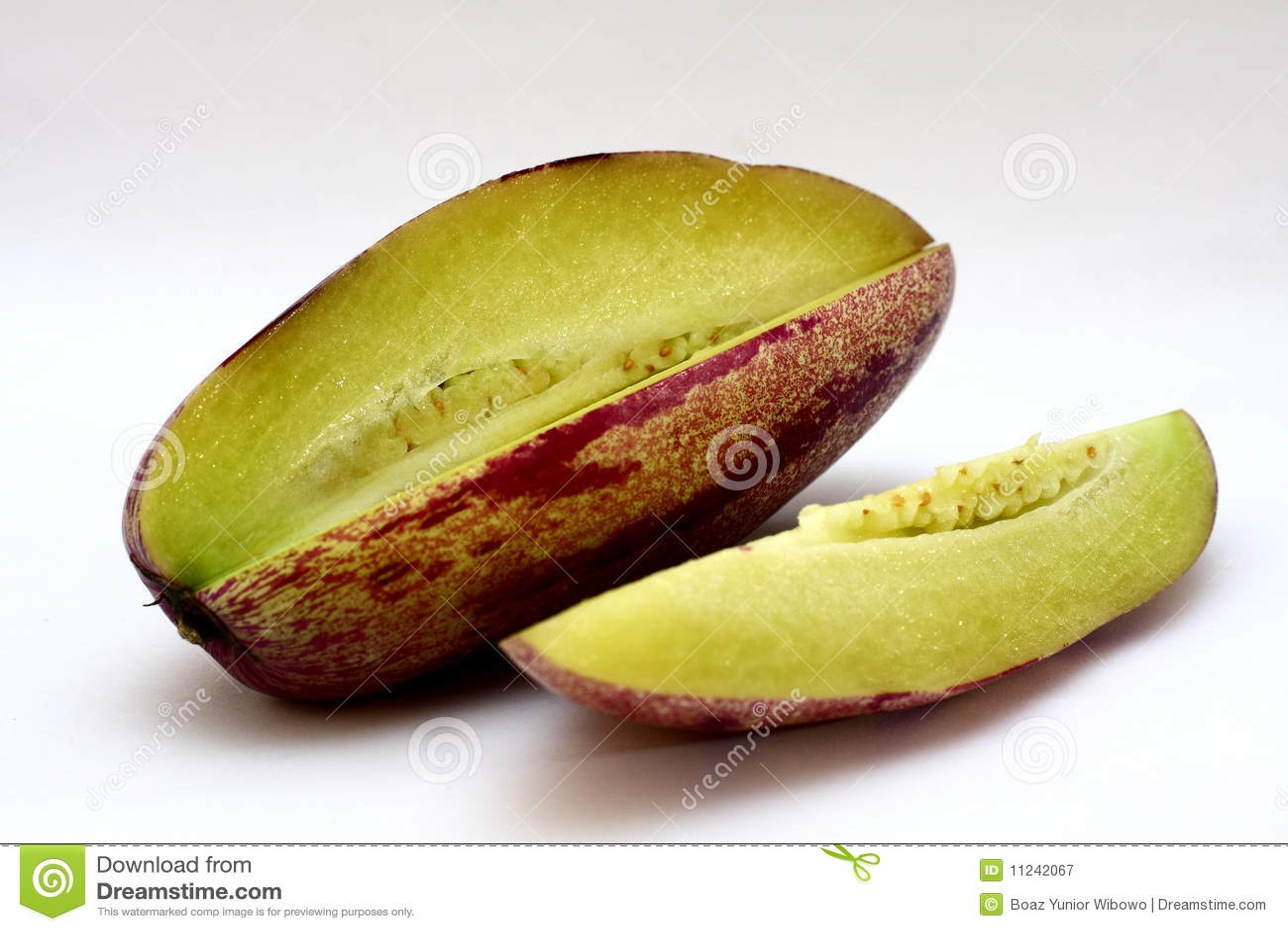 how to cut pepino melon