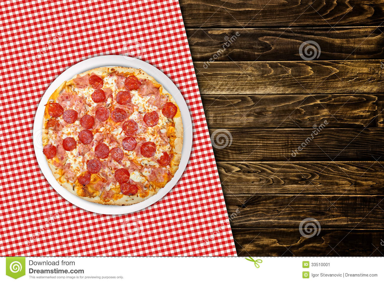 Pepperoni pizza on wood table stock image image of wood for Table 5 pizza