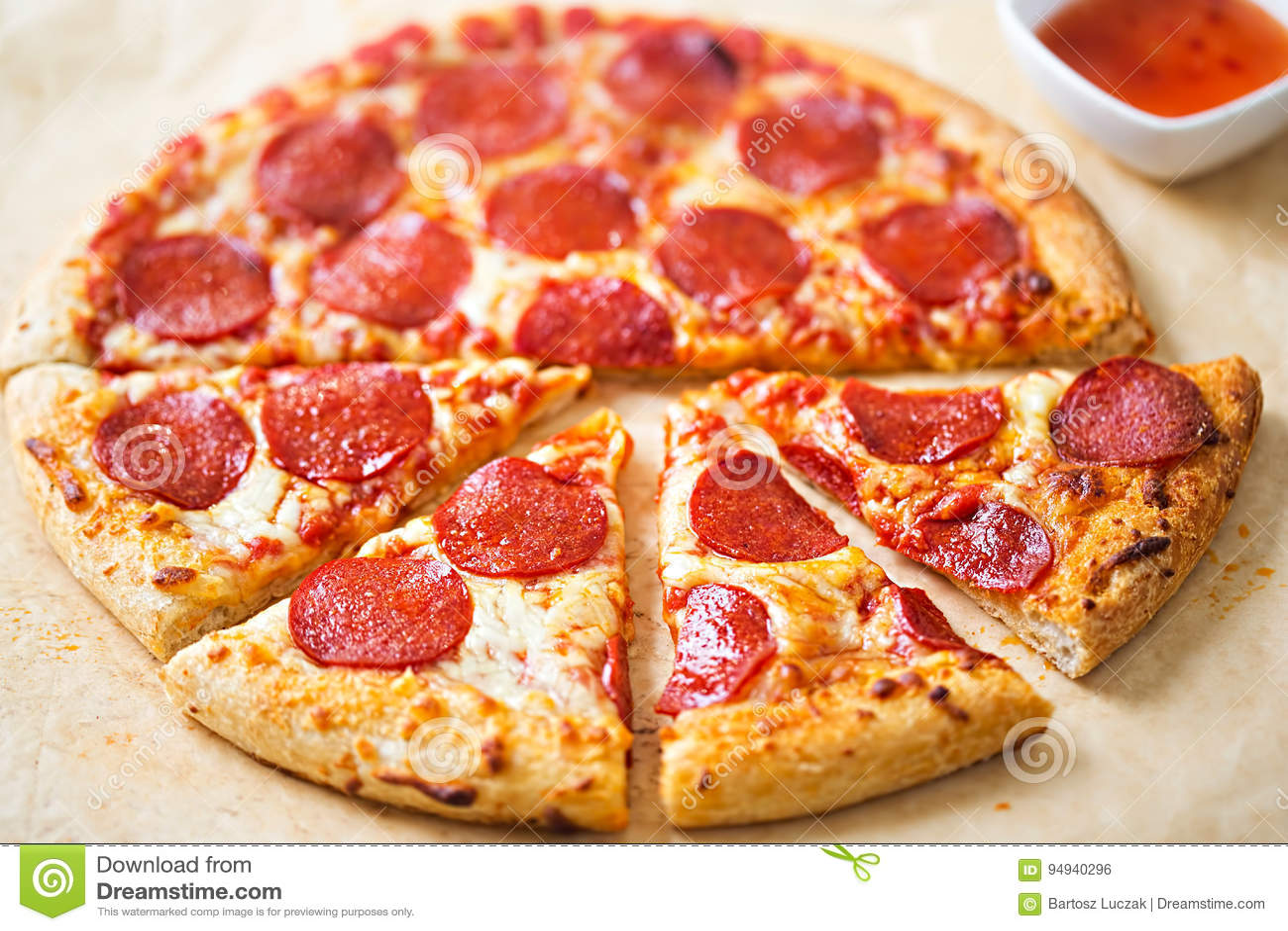 Pepperonipizza mit Paprikabad