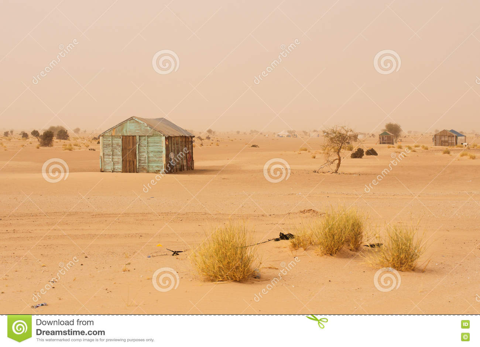 Pequeña casa improvisada en Mauritania