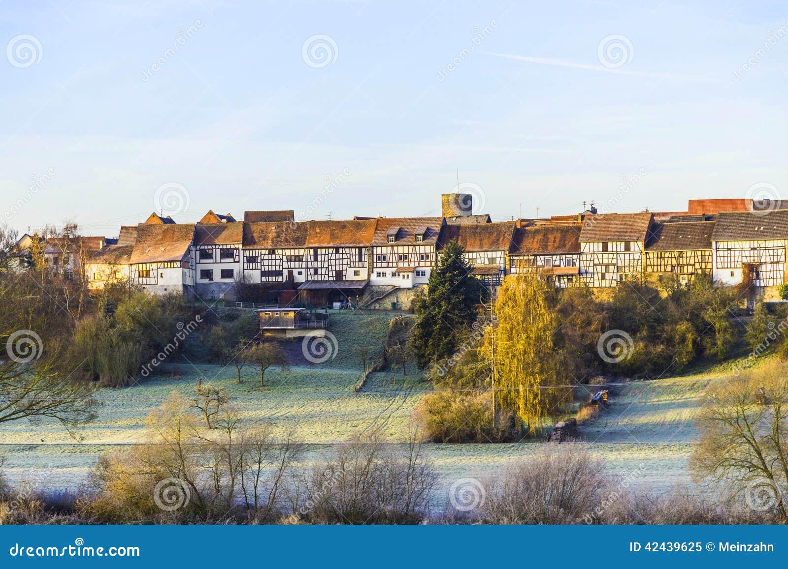 Pequeña ciudad medieval Walsdorf