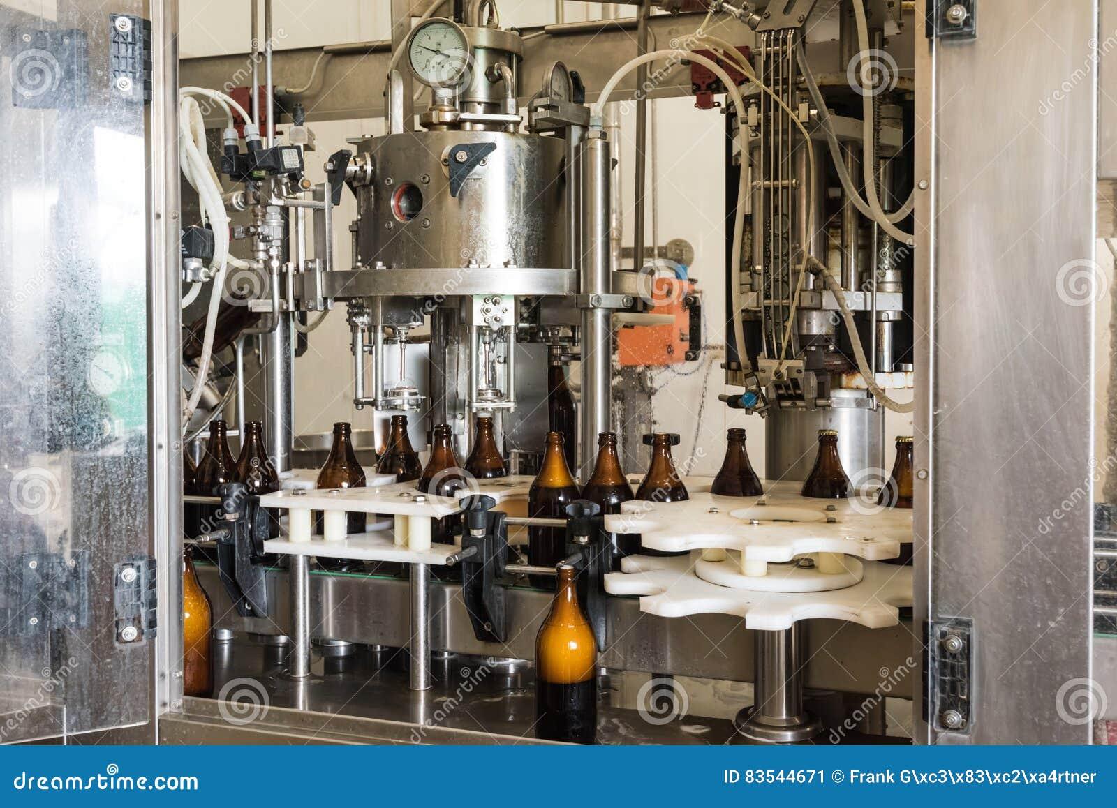Pequeña máquina de embotellado de la cerveza