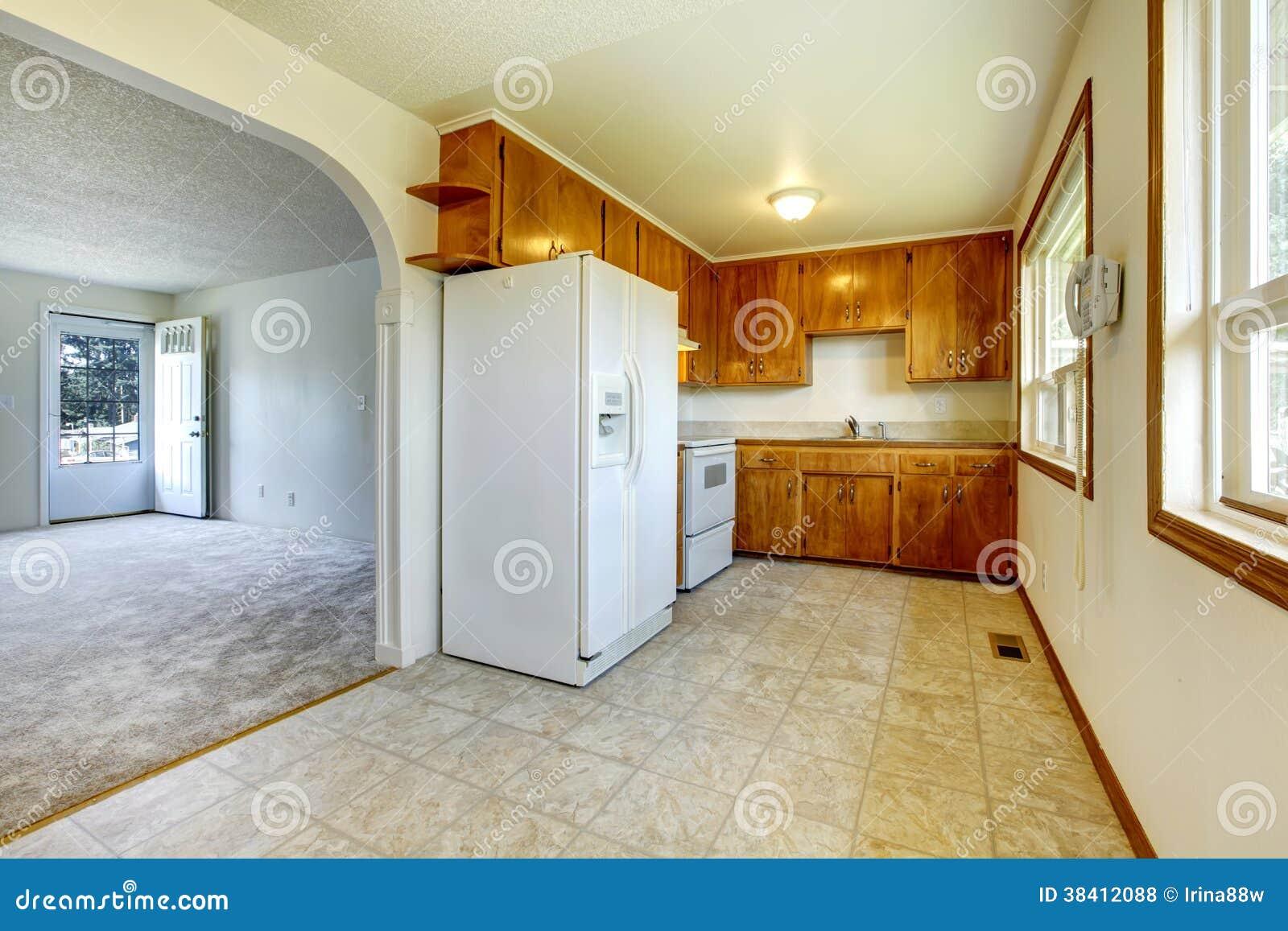 Peque as cocina y sala de estar fotos de archivo libres de for Sala de estar y cocina