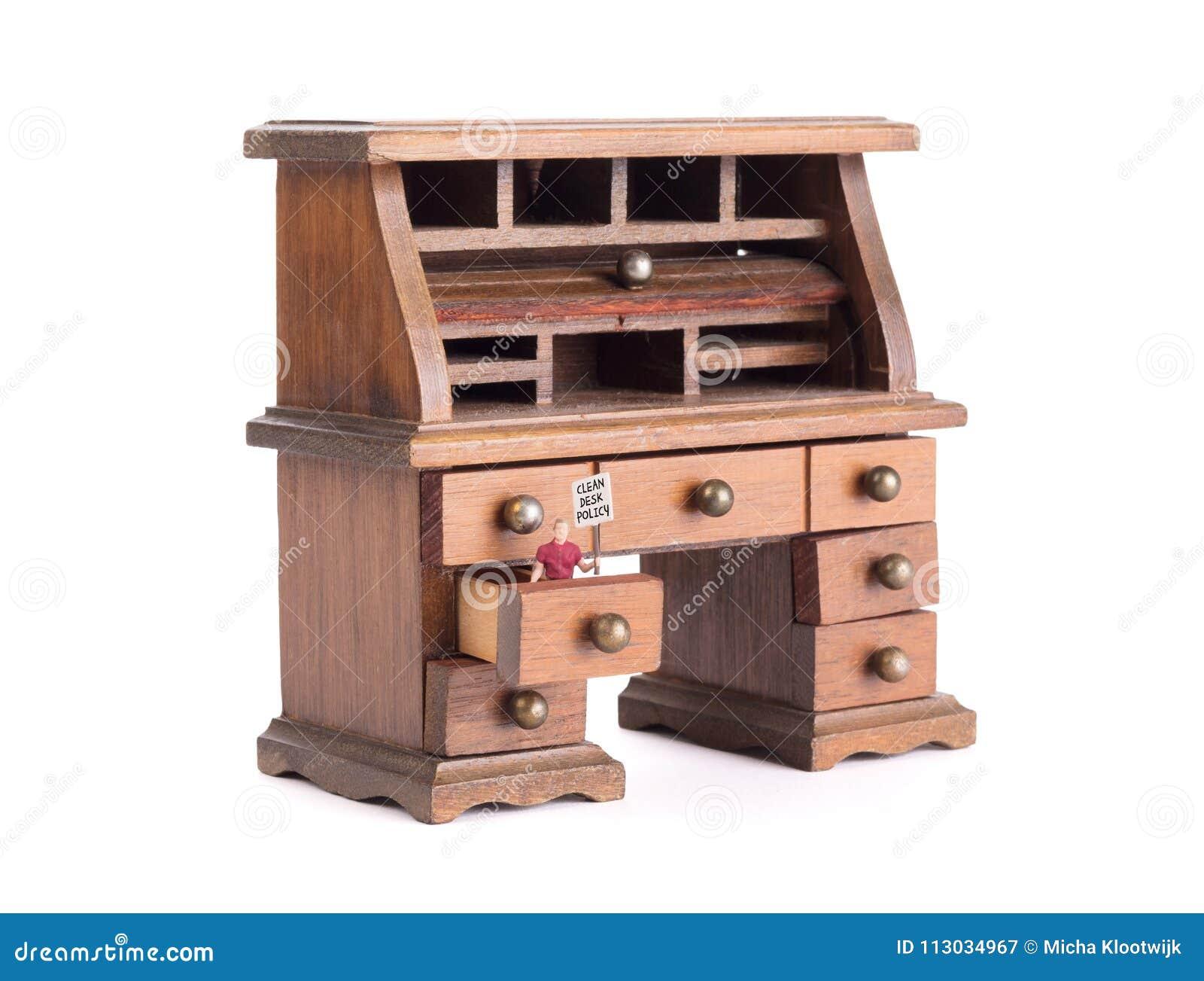 Pequeño escritorio del vintage - política limpia del escritorio