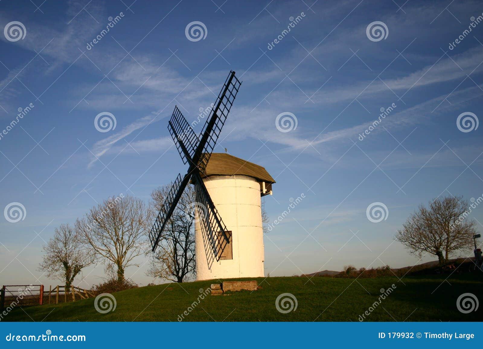 Pequeño molino de viento inglés
