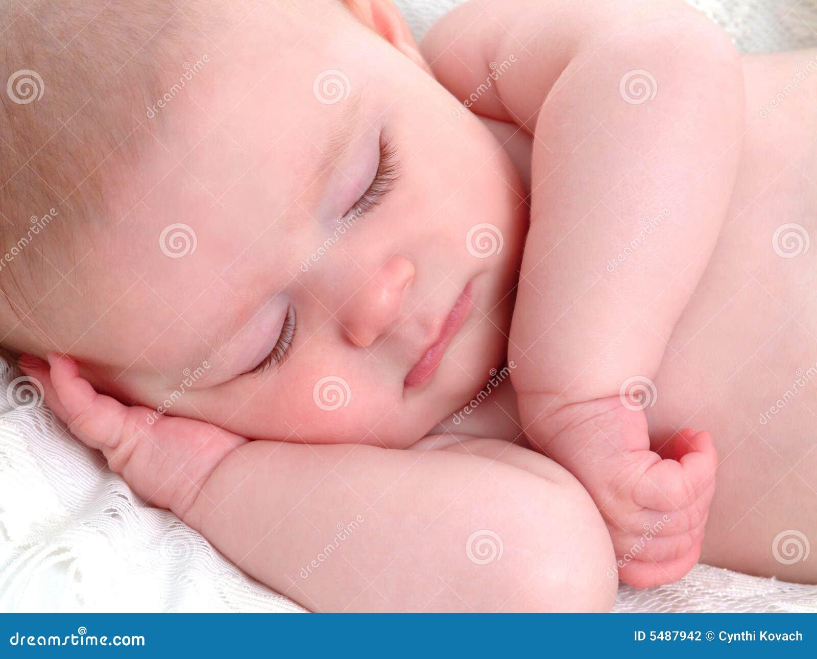 Pequeño soñador del bebé