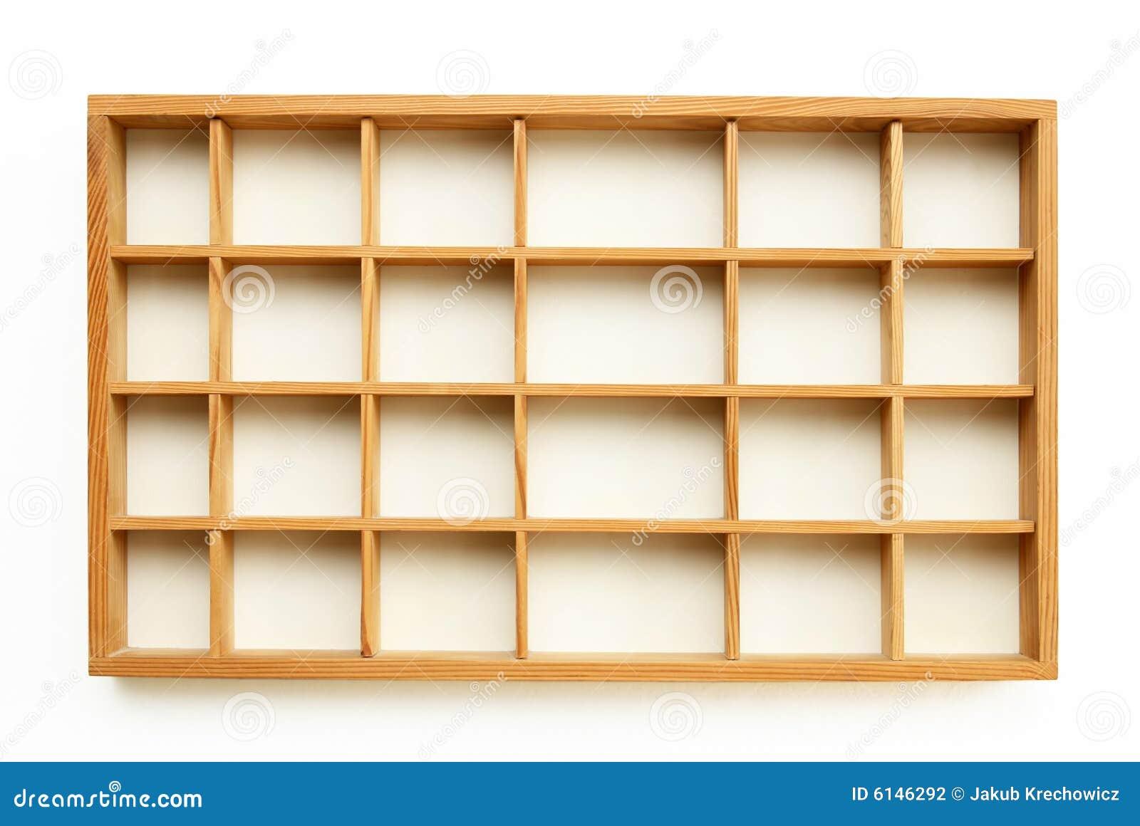 Peque os estantes de madera foto de archivo imagen de - Estantes de madera para pared ...