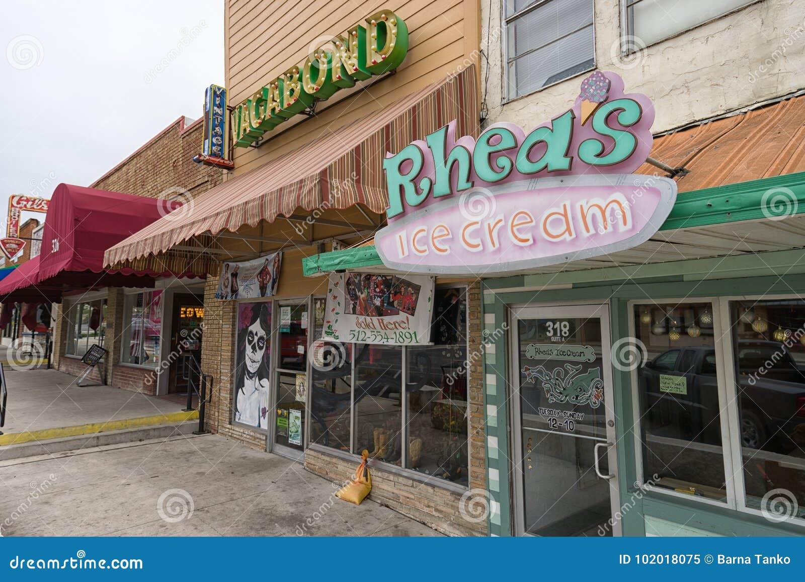 Pequeños Frentes De La Tienda De La Tienda De San Marcos, Tejas ...