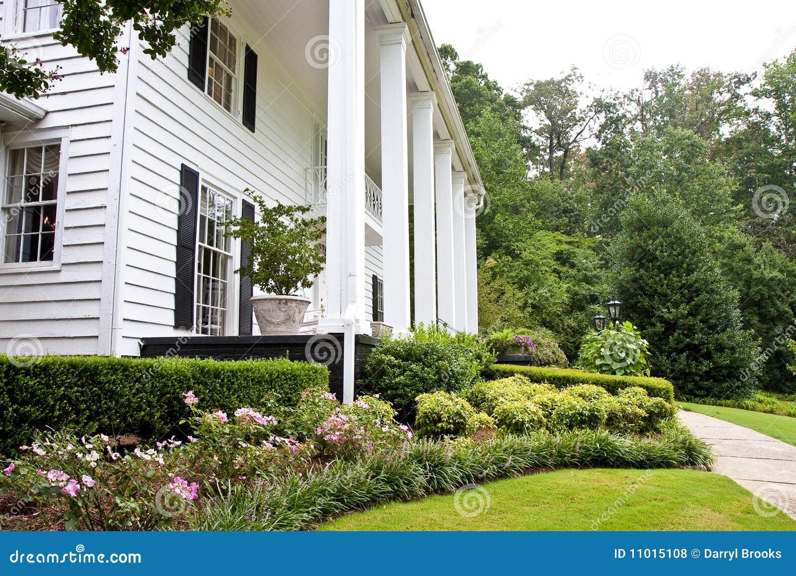 Peque os jardines fotos de archivo libres de regal as - Jardines pequenos imagenes ...