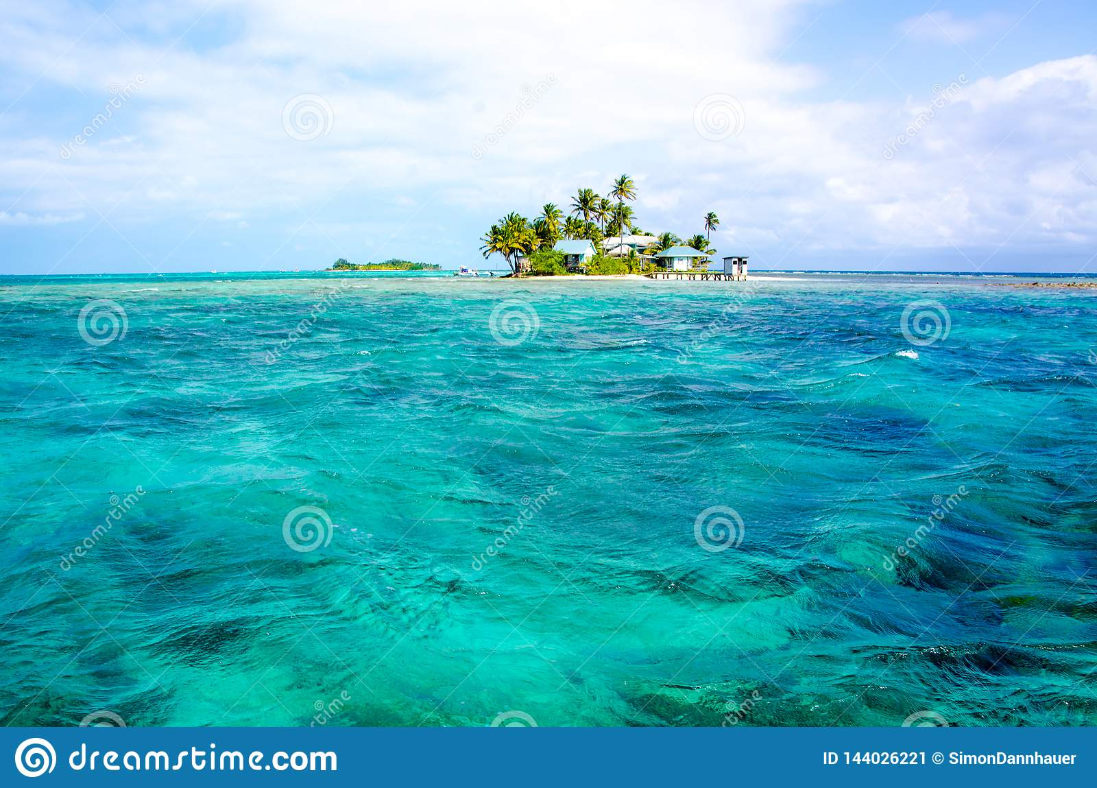 Peque?a isla tropical y del para?so en el mar del Caribe de Belice America Central