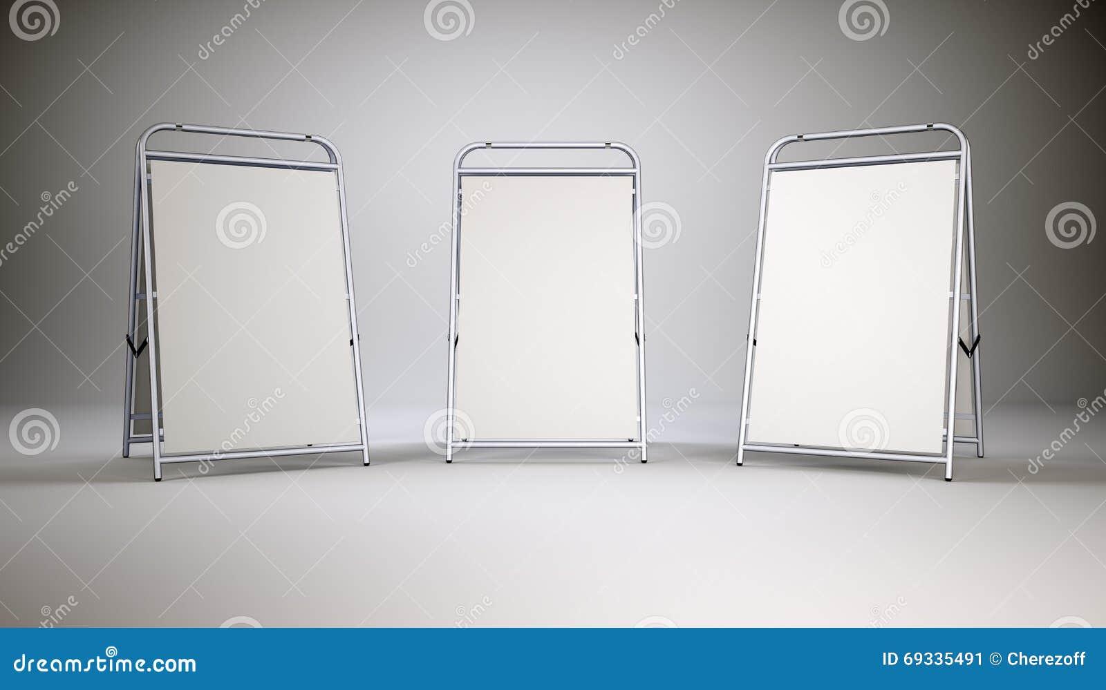 Peque os soportes del espacio en blanco foto de archivo - Espacio en blanco ...