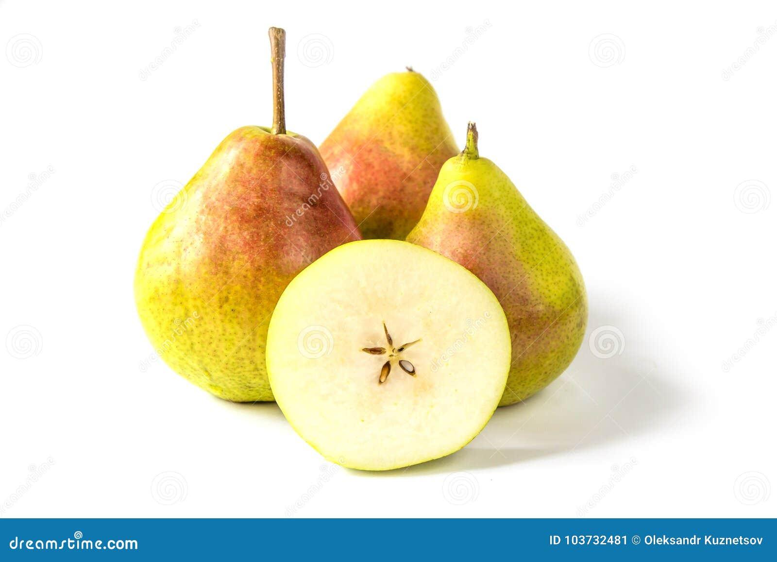 Peras en el fondo blanco Corte la pera con base y las semillas
