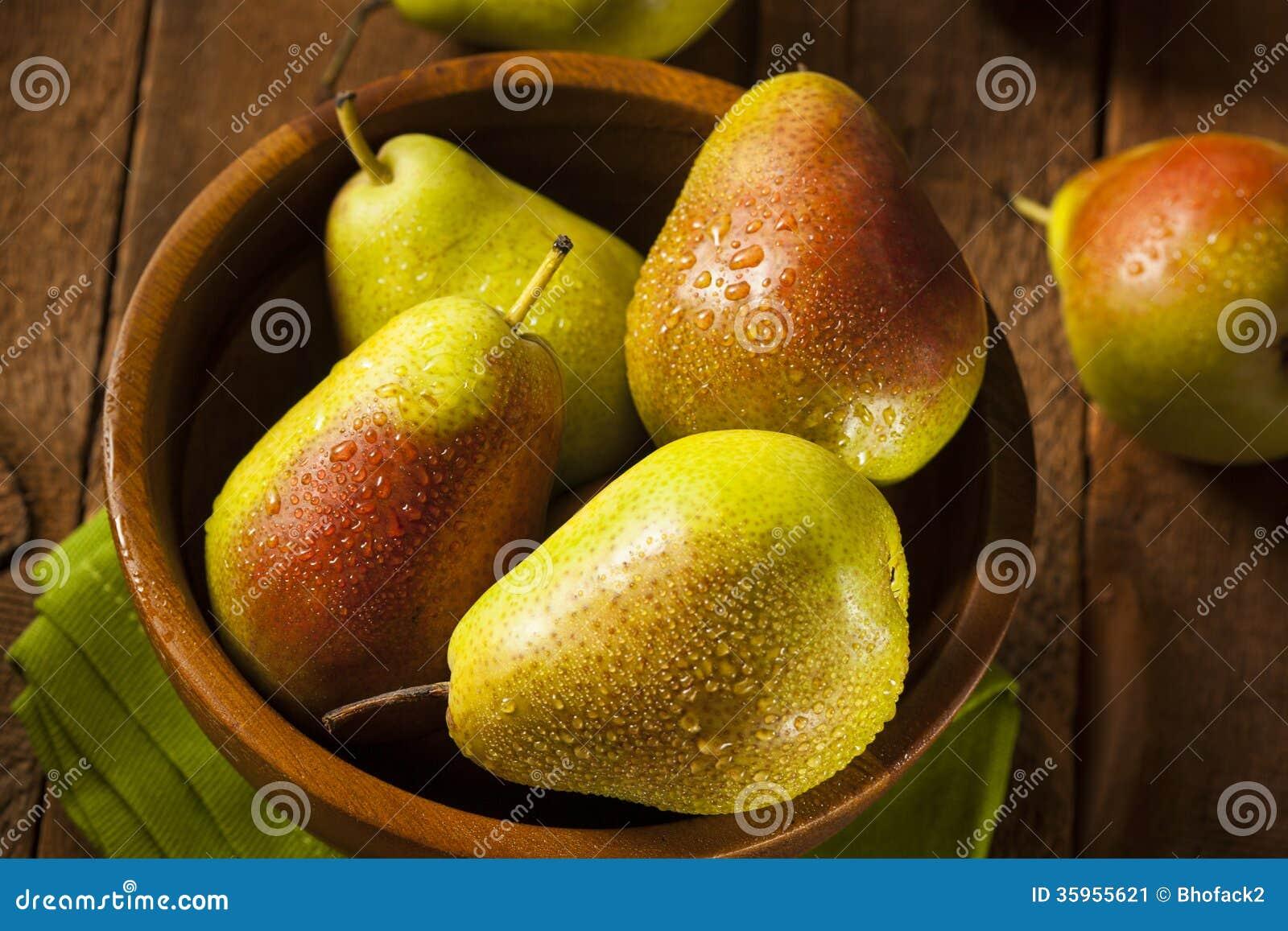Peras sanas orgánicas verdes