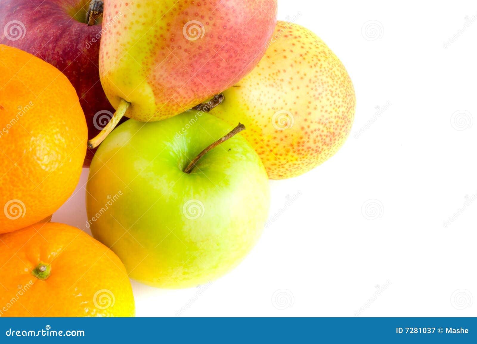 Peras y manzana roja madura.