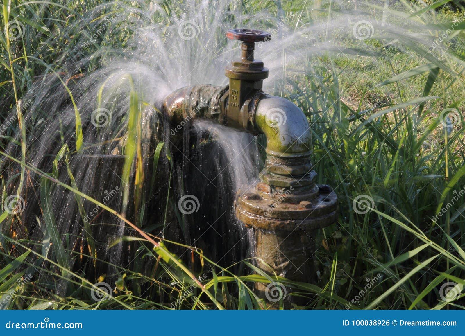 Perda do água da torneira do encanamento