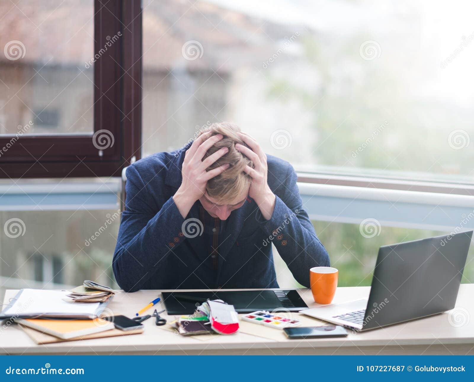 Perda financeira da crise do problema da falha de negócio