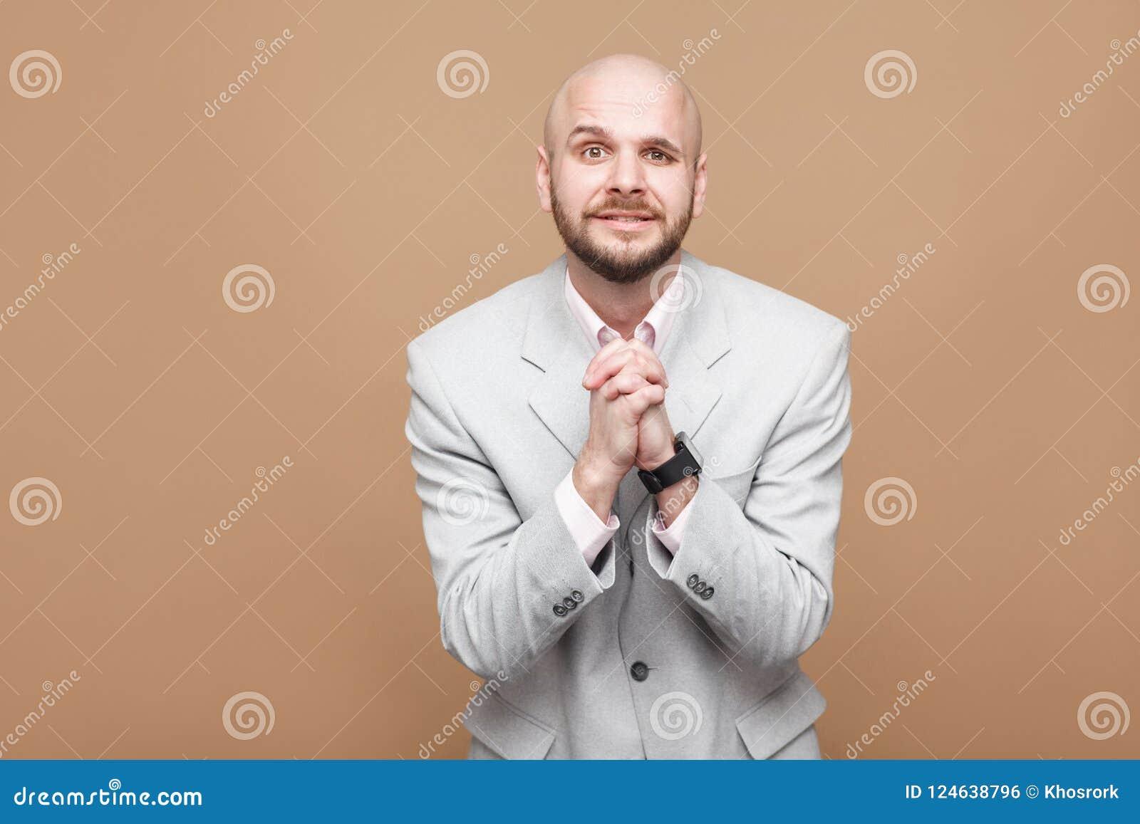 Perdoe-me por favor vaias Wor farpado calvo envelhecido meio do homem de negócios