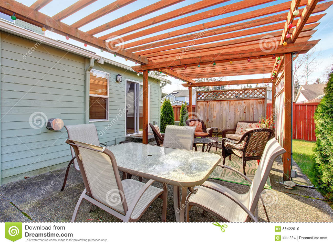 Perfect Back Yard Including Furnished Patio With Jacuzzi Tub.