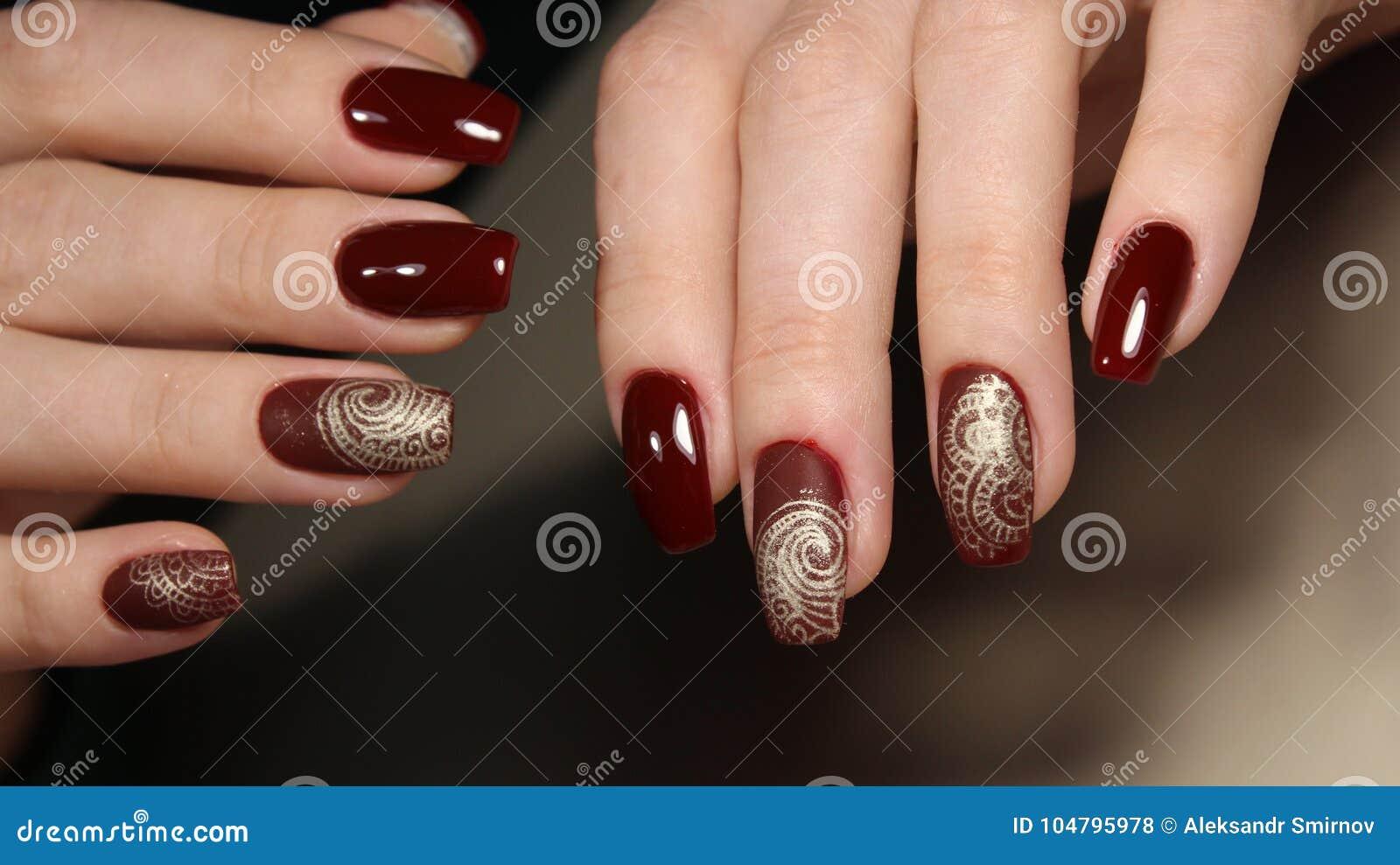 Faszinierend Moderne Nägel Das Beste Von Perfekte Maniküre Und Natürliche Nägel Attraktives Modernes
