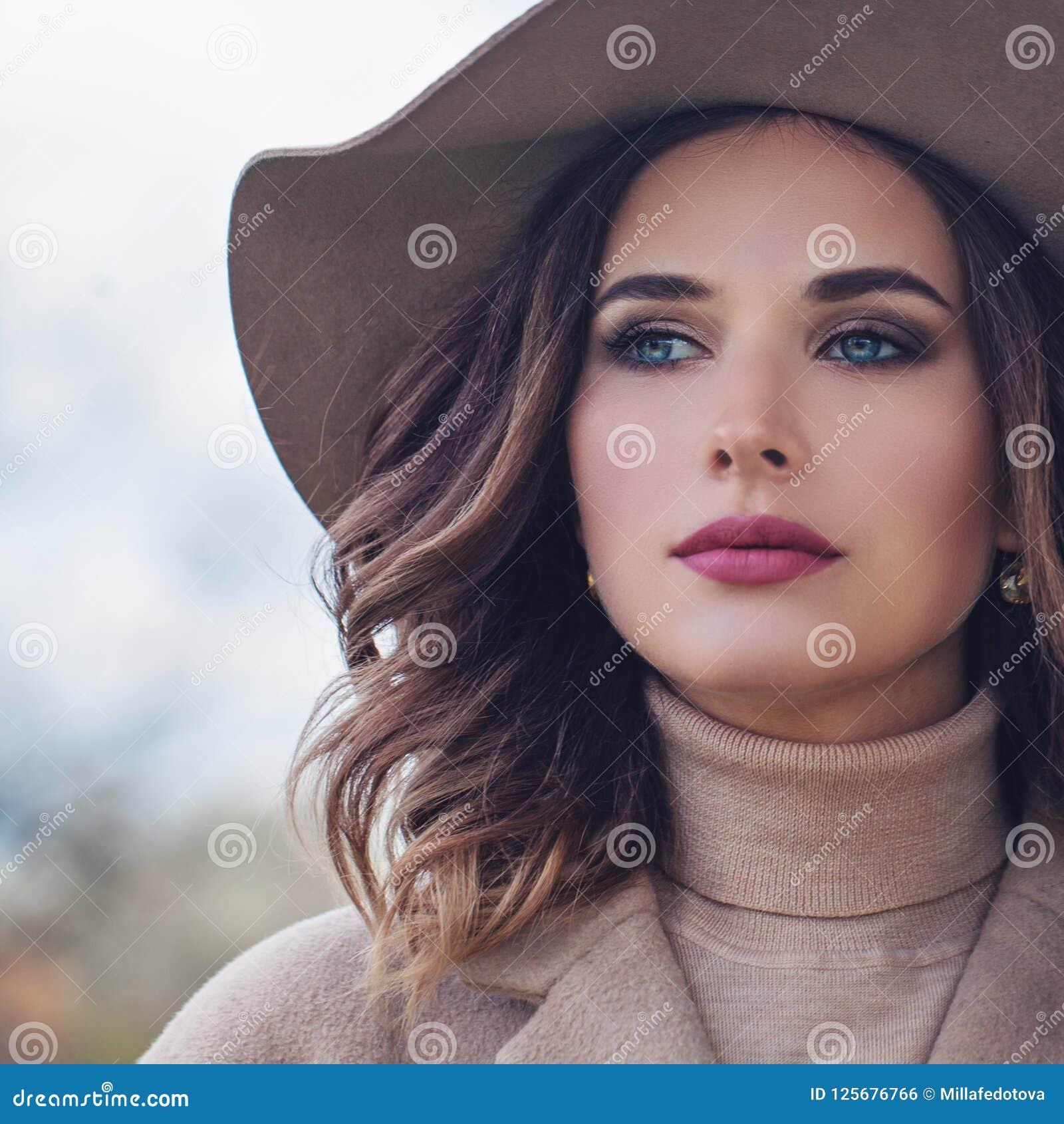 perfekte weibliche gesicht