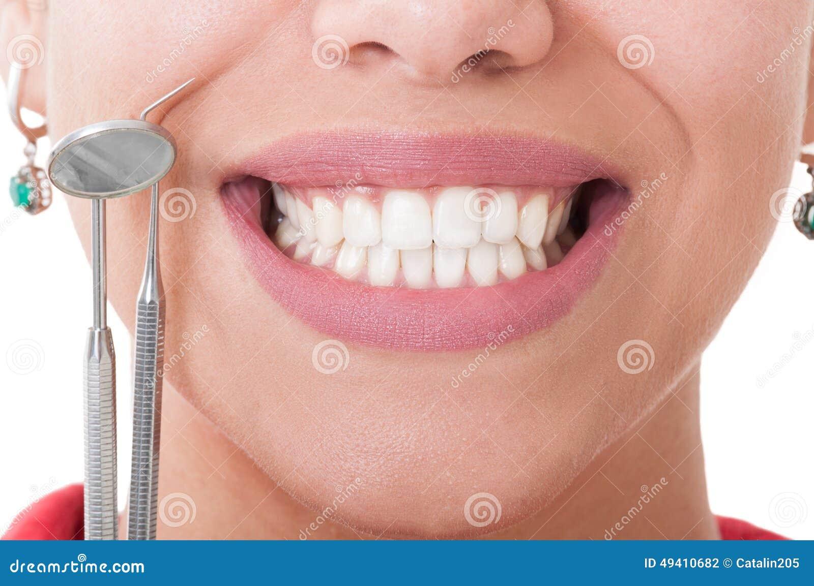 Download Perfekte Zähne Und Zahnarztwerkzeuge Stockfoto - Bild von nahaufnahme, gebiß: 49410682