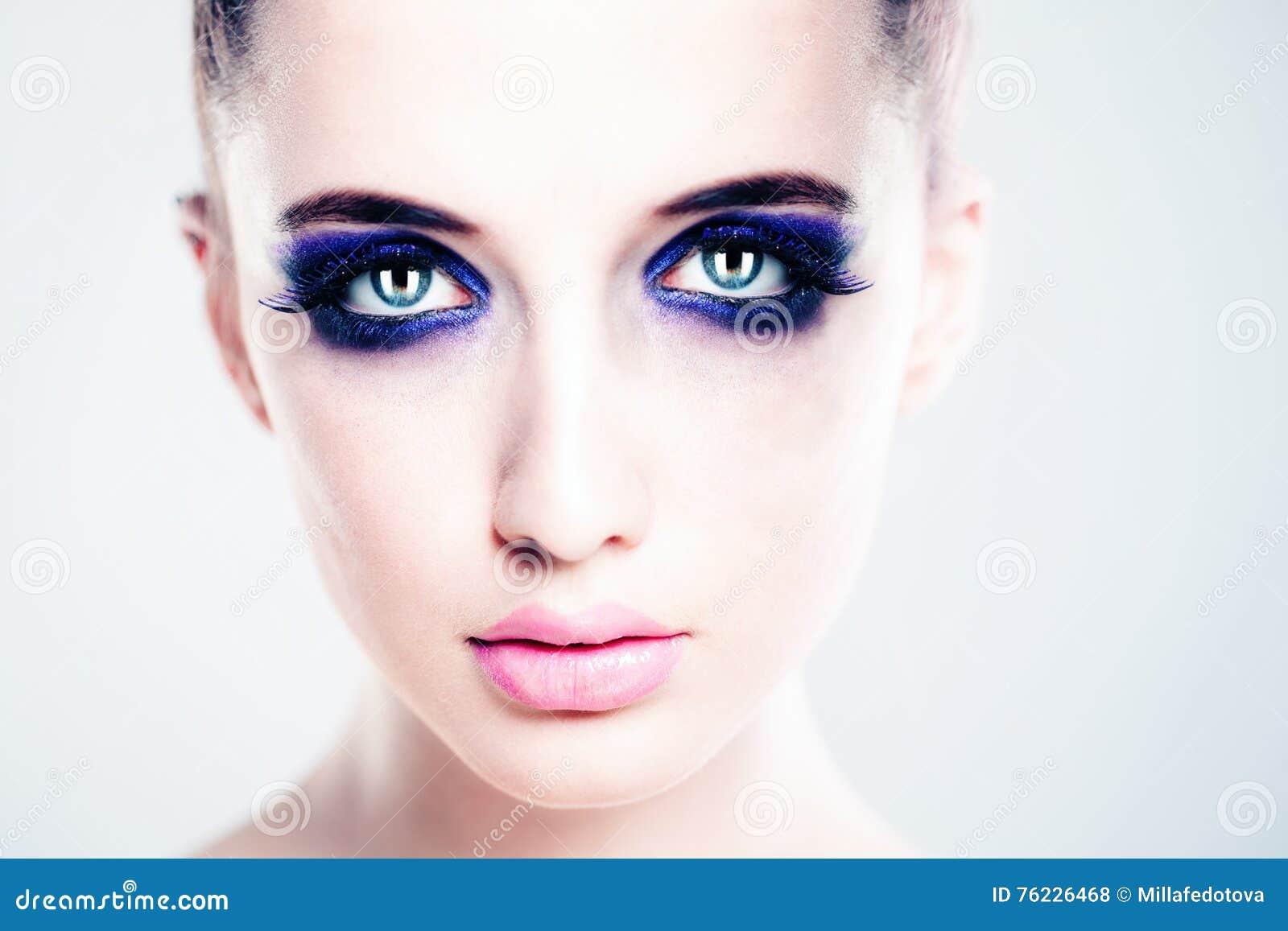 Perfektes Gesicht Mit Künstlerischem Make Up Schöne Frau Stockfoto