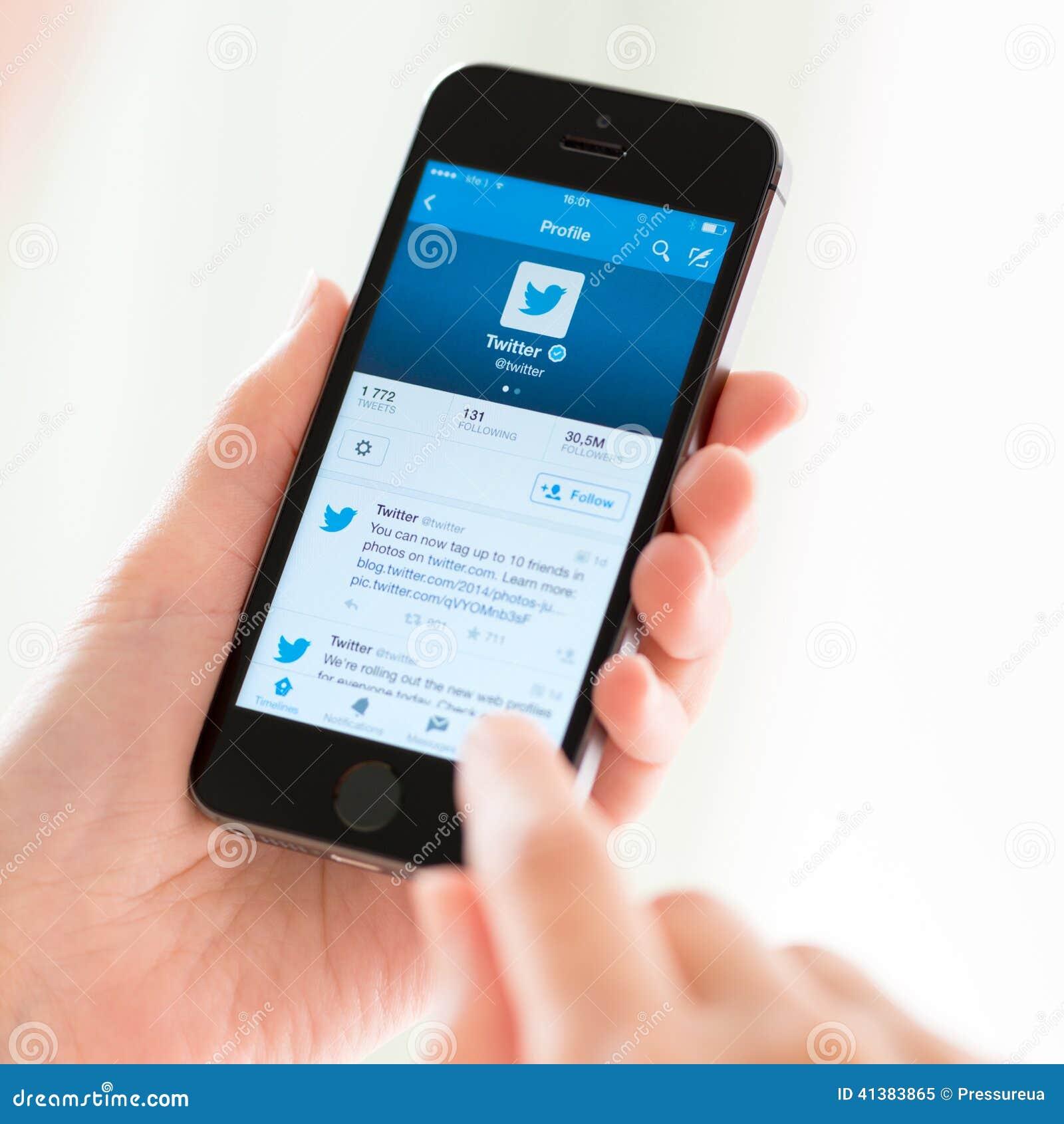 Perfil de Twitter en el iPhone 5S de Apple