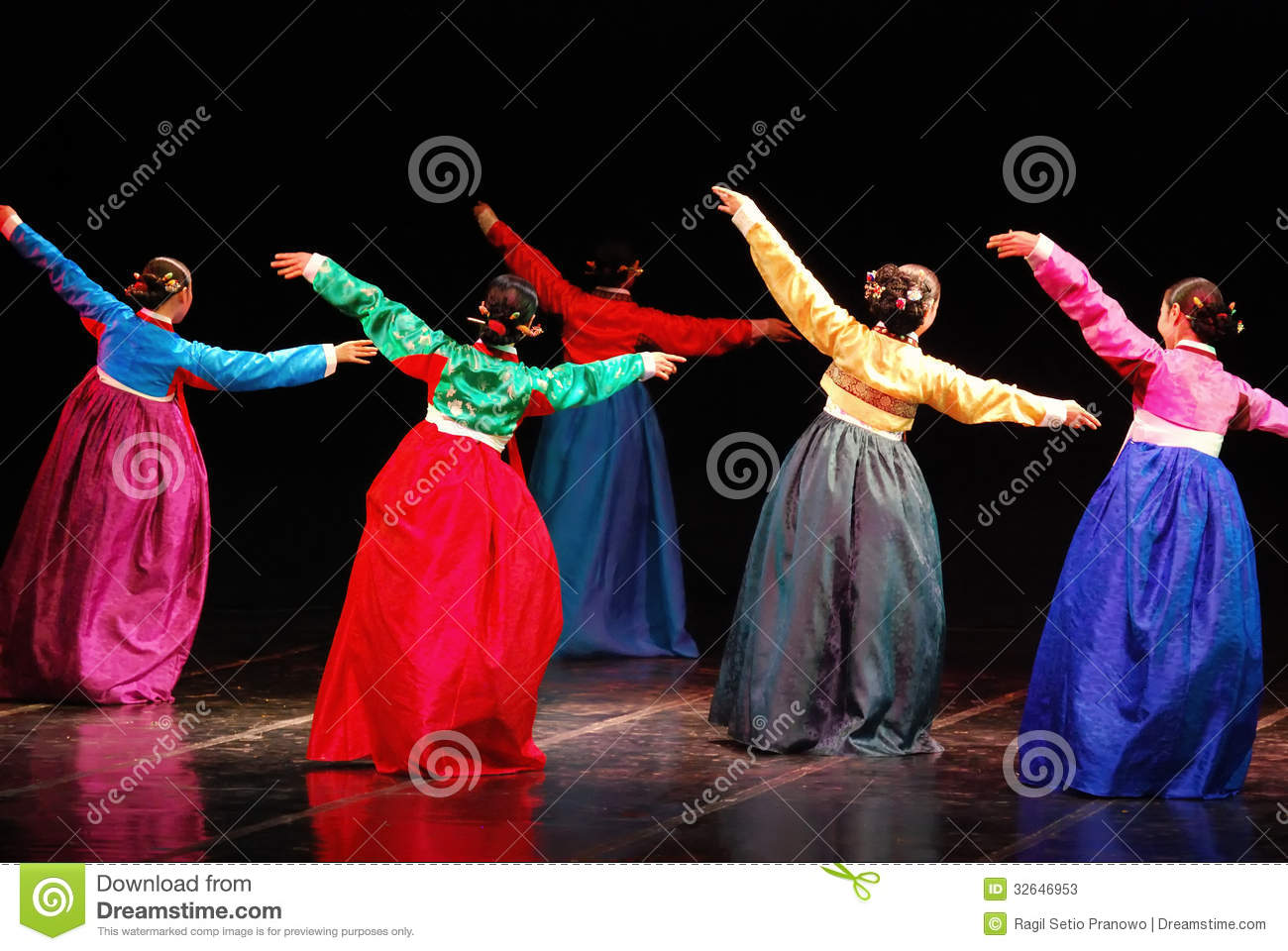 Performance Of Busan Korean Traditional Dance Editorial Stock Photo  Image: 32646953