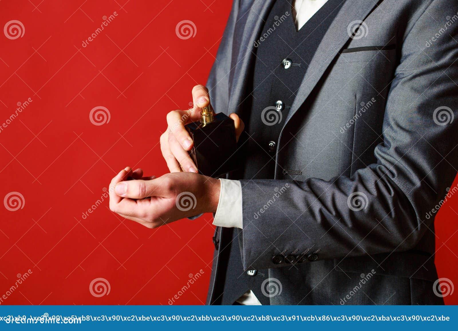 Perfume do homem, fragrância Perfume masculino Garrafa do perfume ou da água de Colônia Fragrância e perfumaria masculinas, cosmé