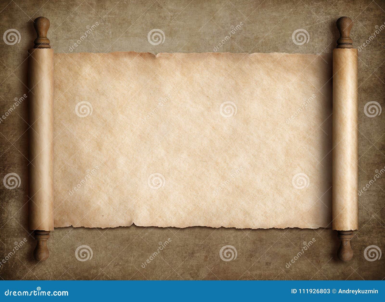 Pergamena antica del rotolo sopra vecchio fondo di carta