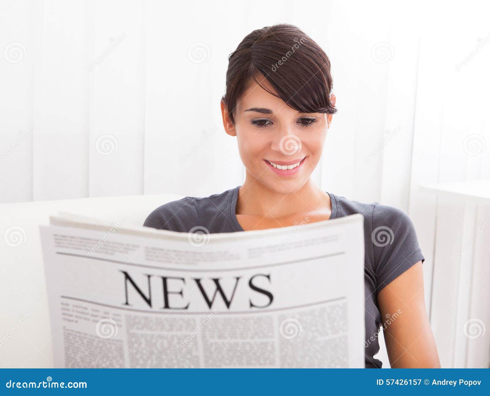 Periódico de la lectura de la mujer