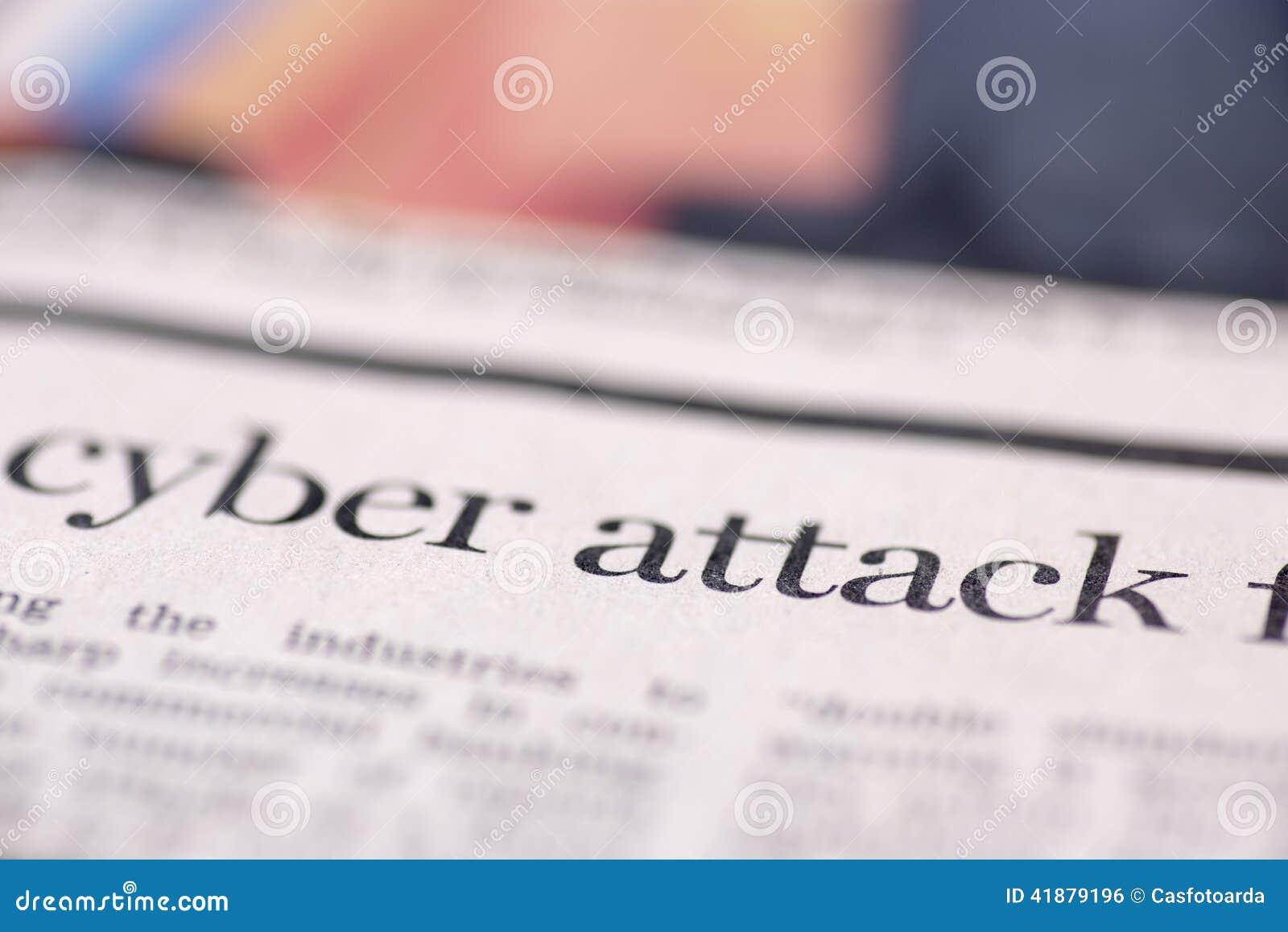 Periódico escrito ataque cibernético