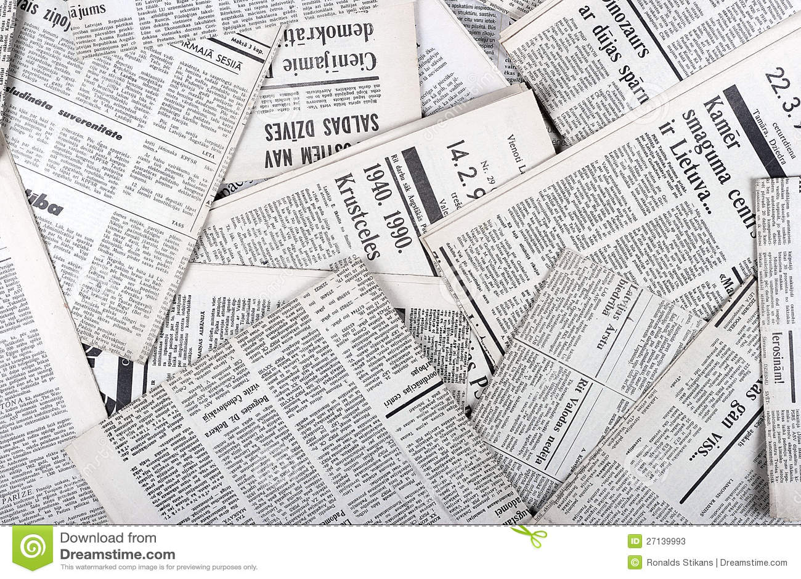 Periódicos Viejos Foto De Archivo Editorial