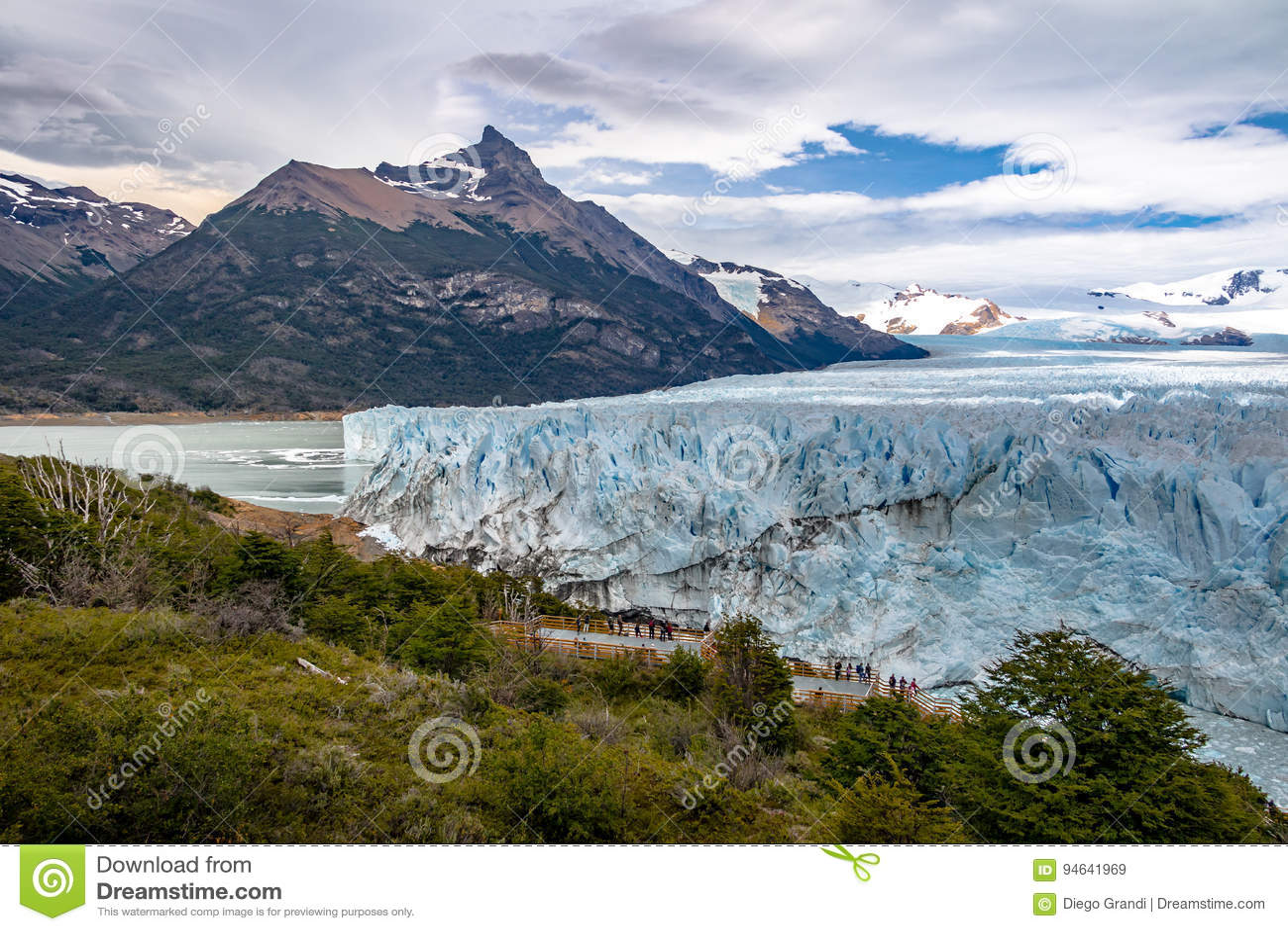 Perito Moreno Glacier στο εθνικό πάρκο Los Glaciares στην Παταγωνία - EL Calafate, Santa Cruz, Αργεντινή