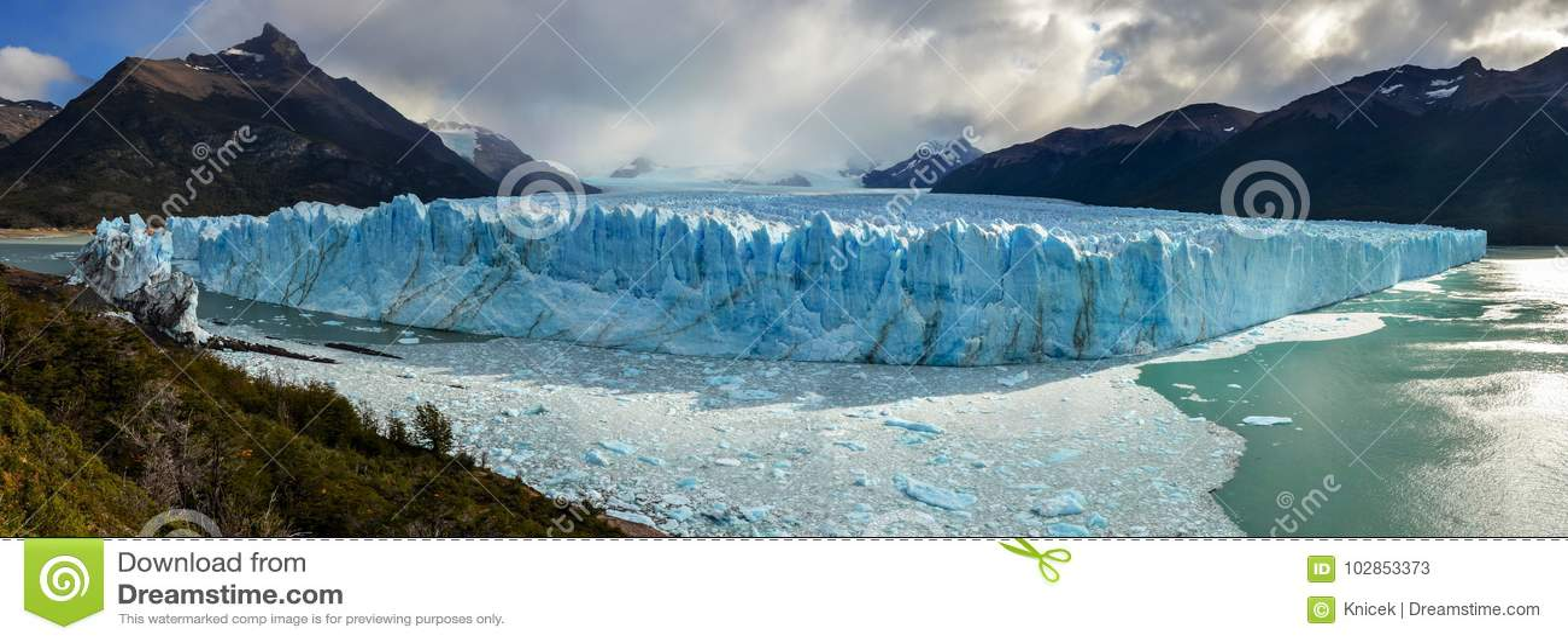 Perito Moreno Glacier i nationalpark för Los Glaciares i El Calafate, Argentina, Sydamerika