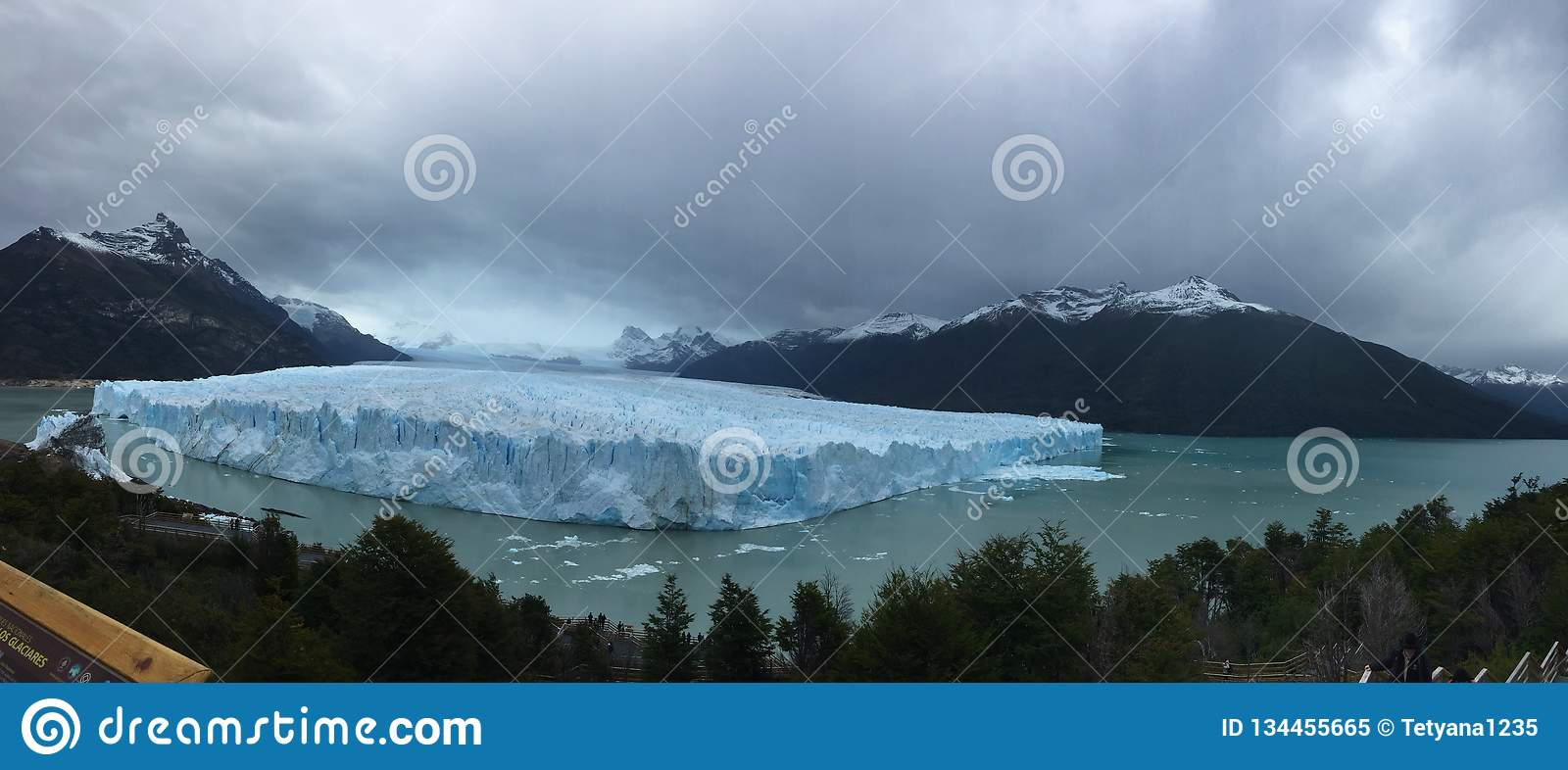 Perito Moreno Glacier - natural phenomenon