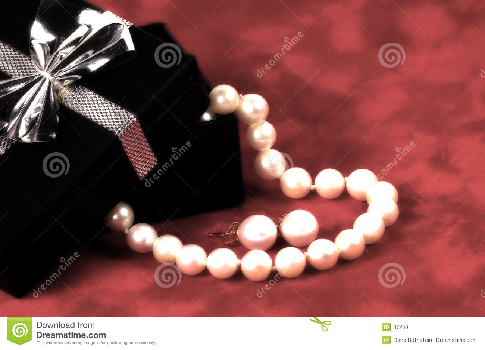 Download Perlas foto de archivo. Imagen de pulsera, contrato, rectángulo - 37260