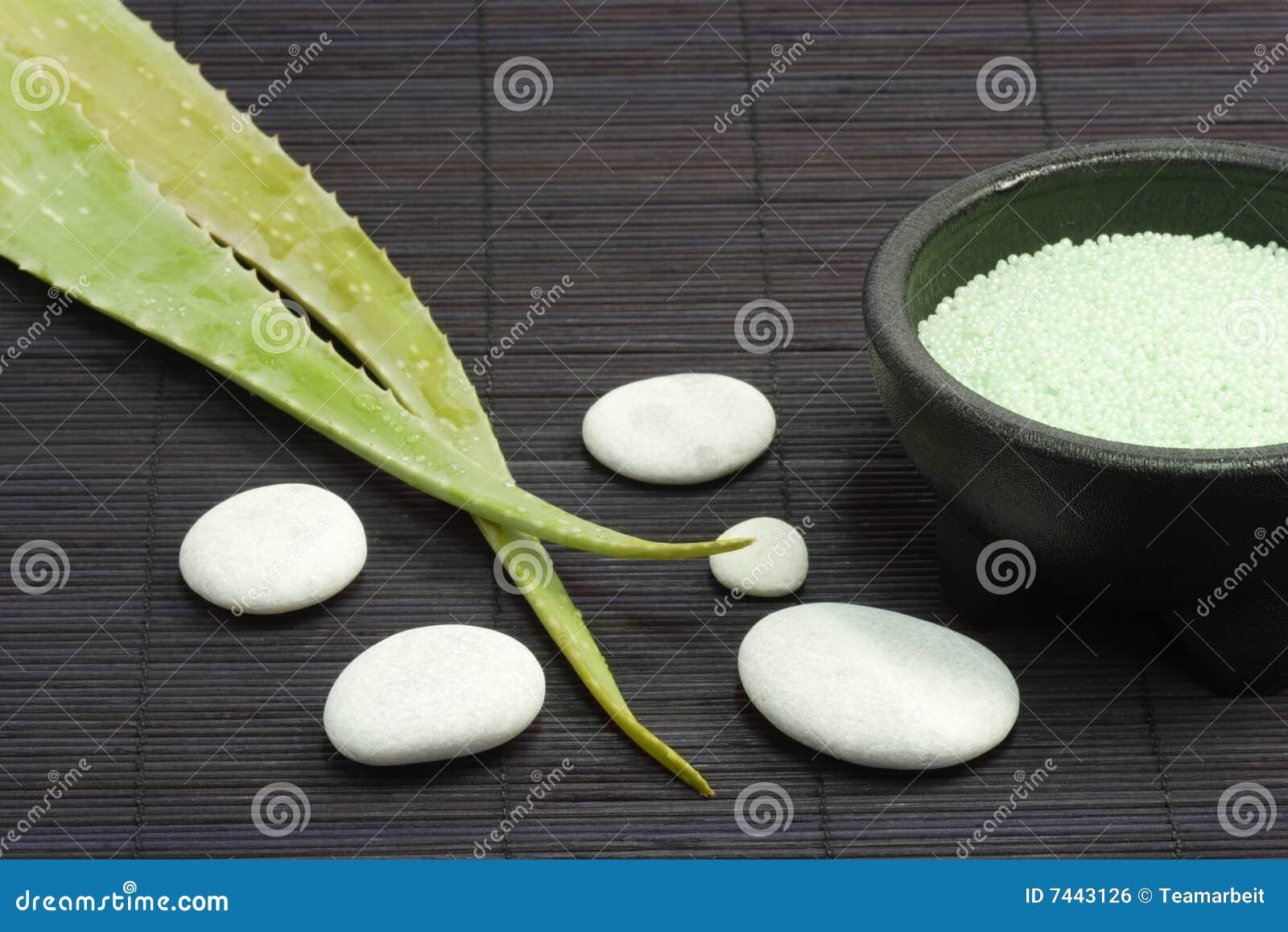 Perle del bagno della vera dell 39 aloe fotografia stock - Perle da bagno sephora ...