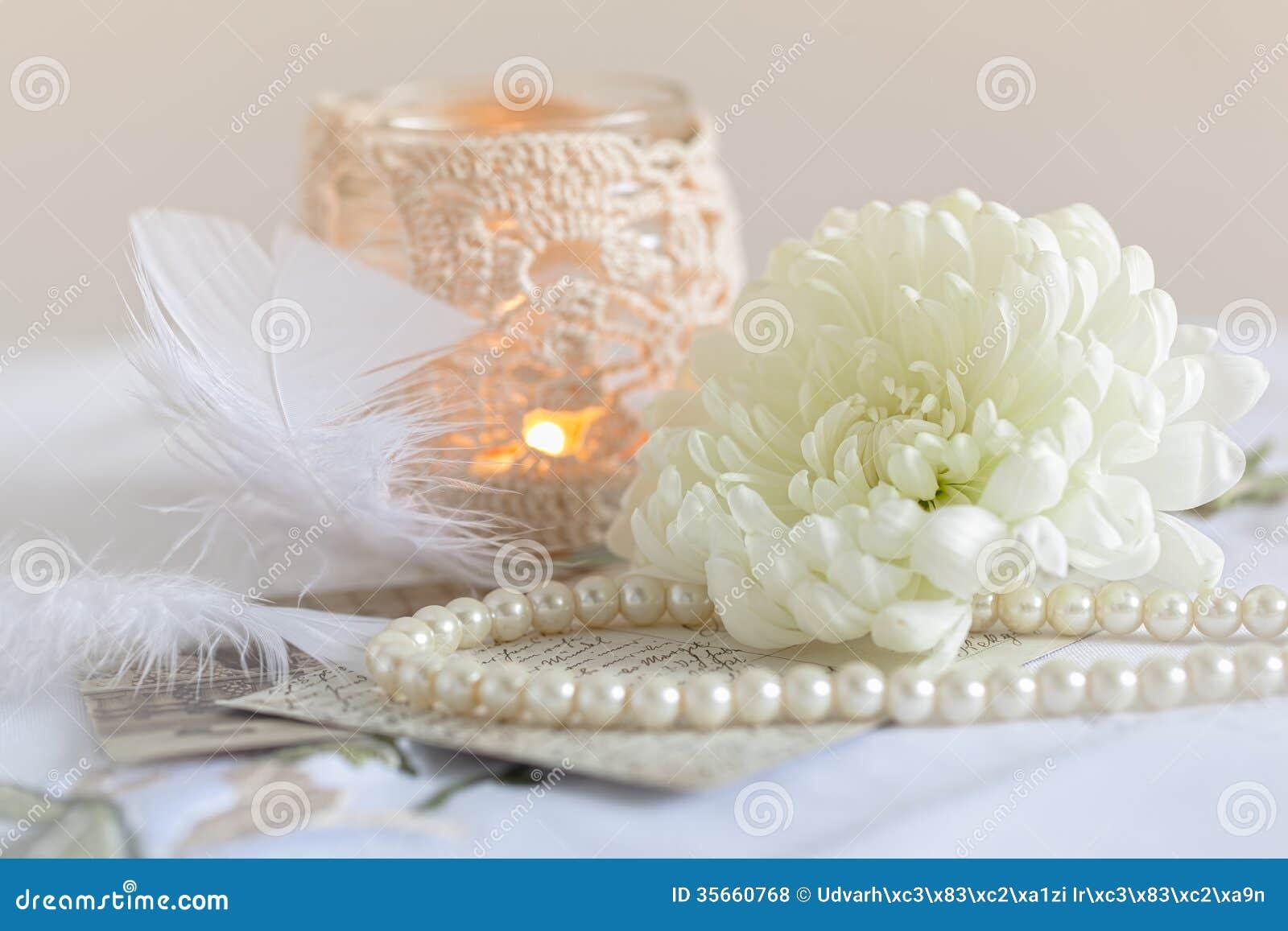 Perle Fleur Bougie Dentelle Et Vieilles Lettres Photo