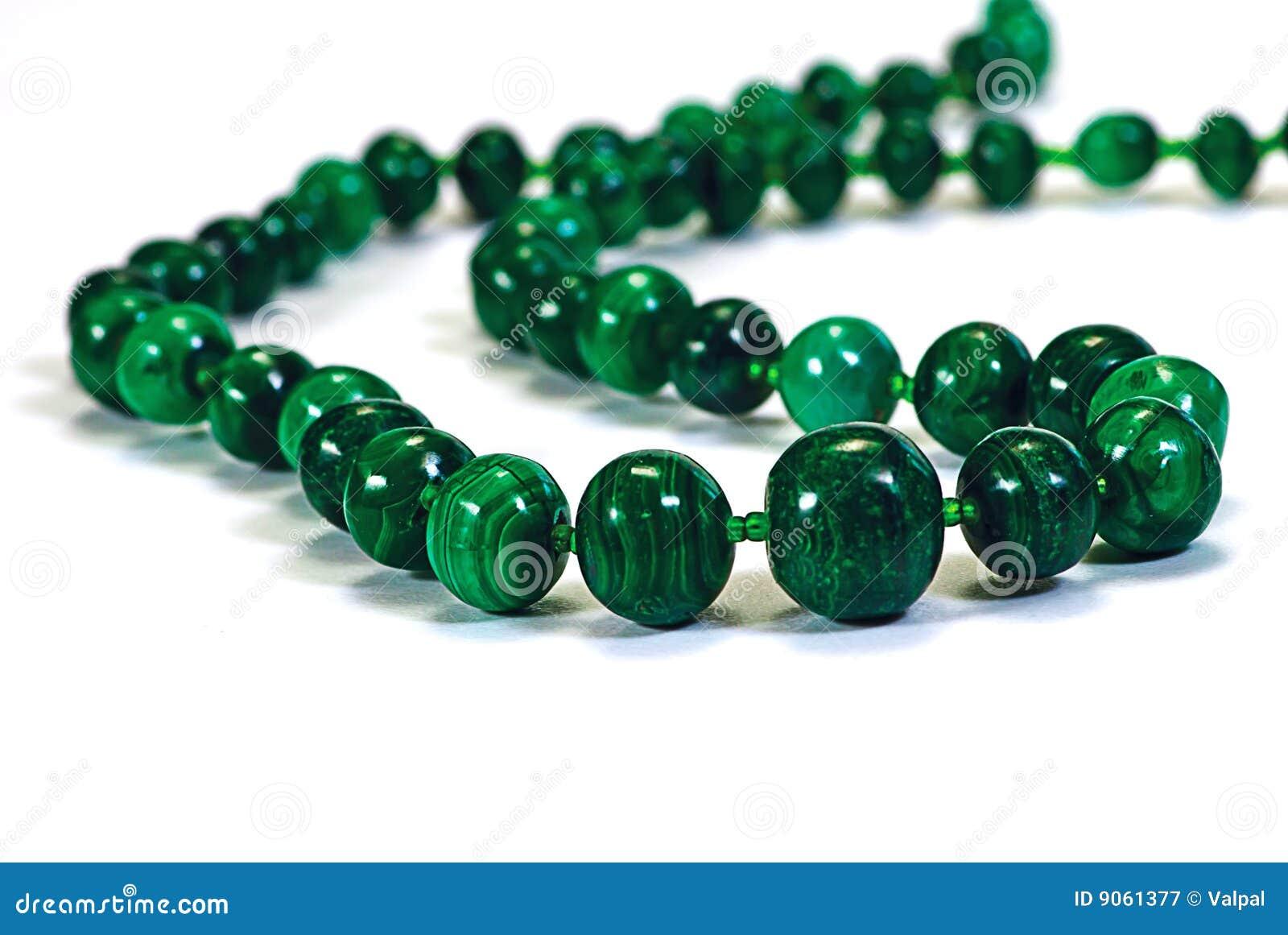 Perle le collier de malachite