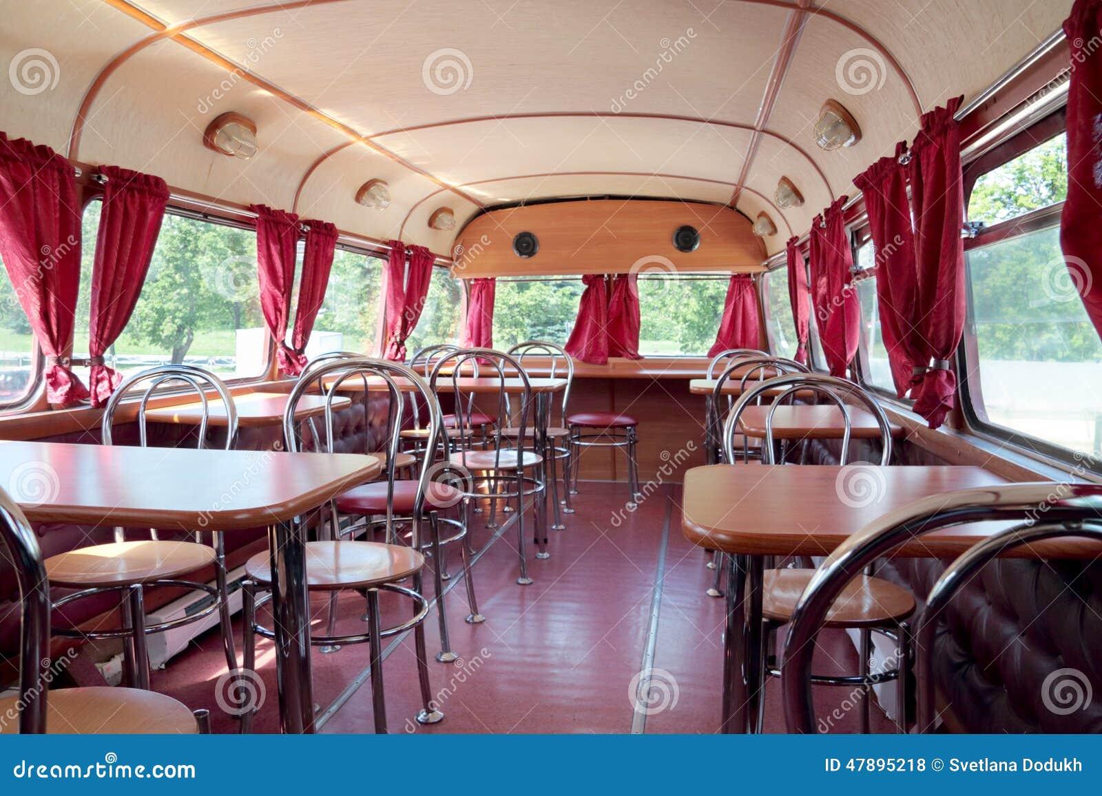 Perm russia 11 giugno 2013 interno del caff dell for Interno autobus
