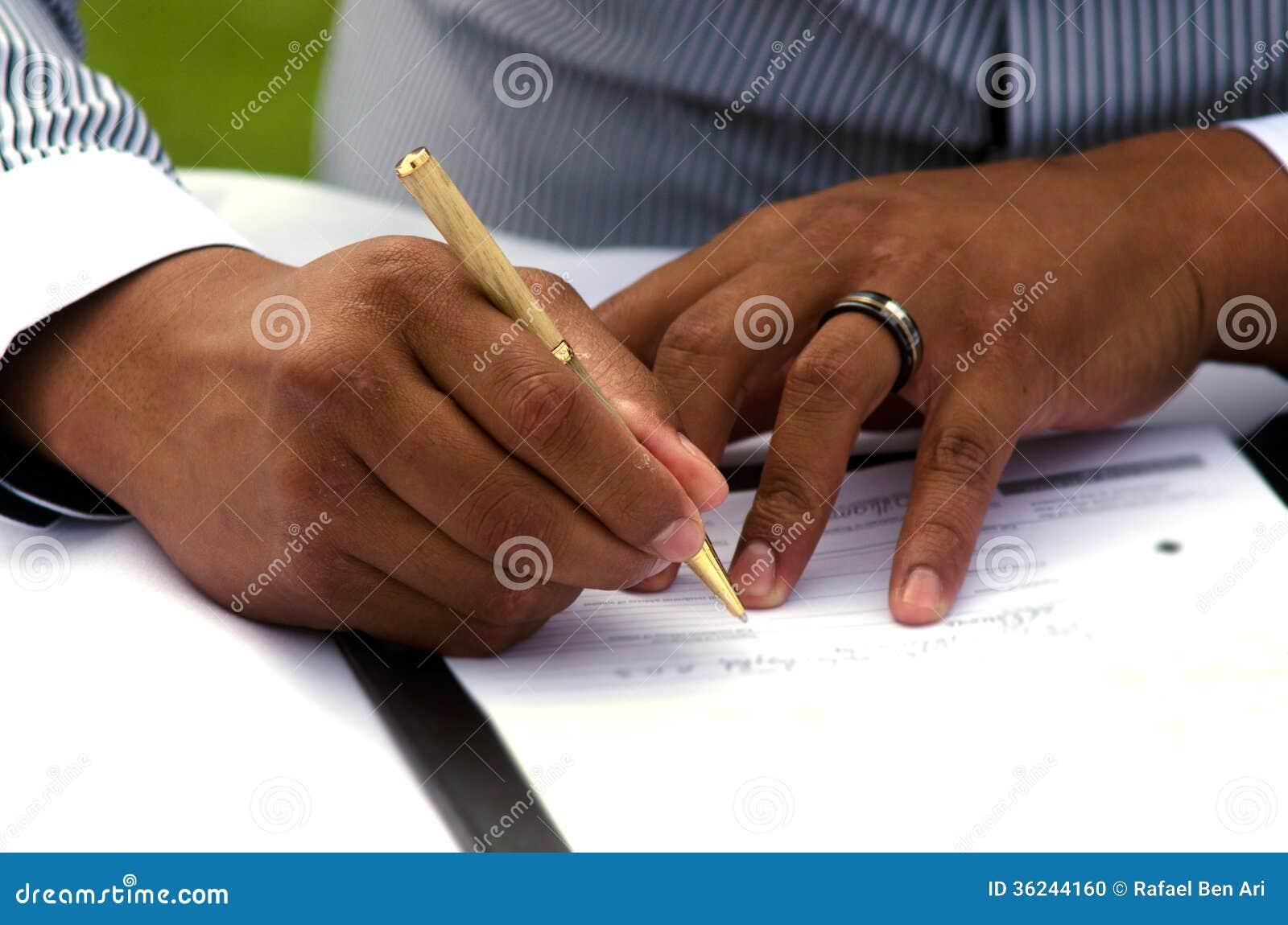 Permiso de matrimonio de firma del novio