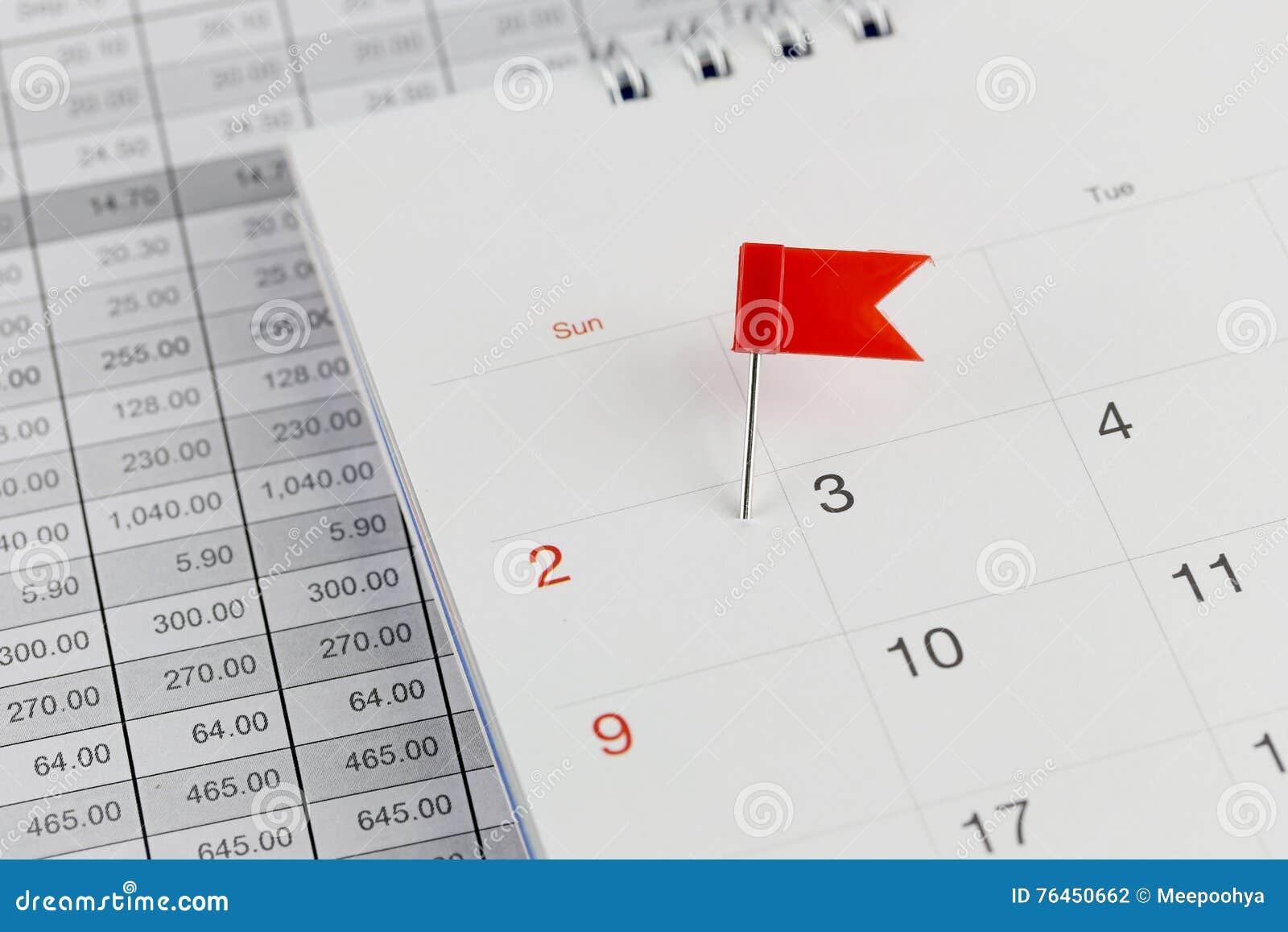 Rossi Sul Calendario.Perni Rossi Ai Gatti Selvatici Sul Calendario Accanto Al