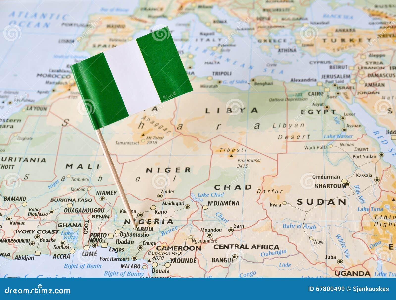 Perno della bandiera della Nigeria sulla mappa