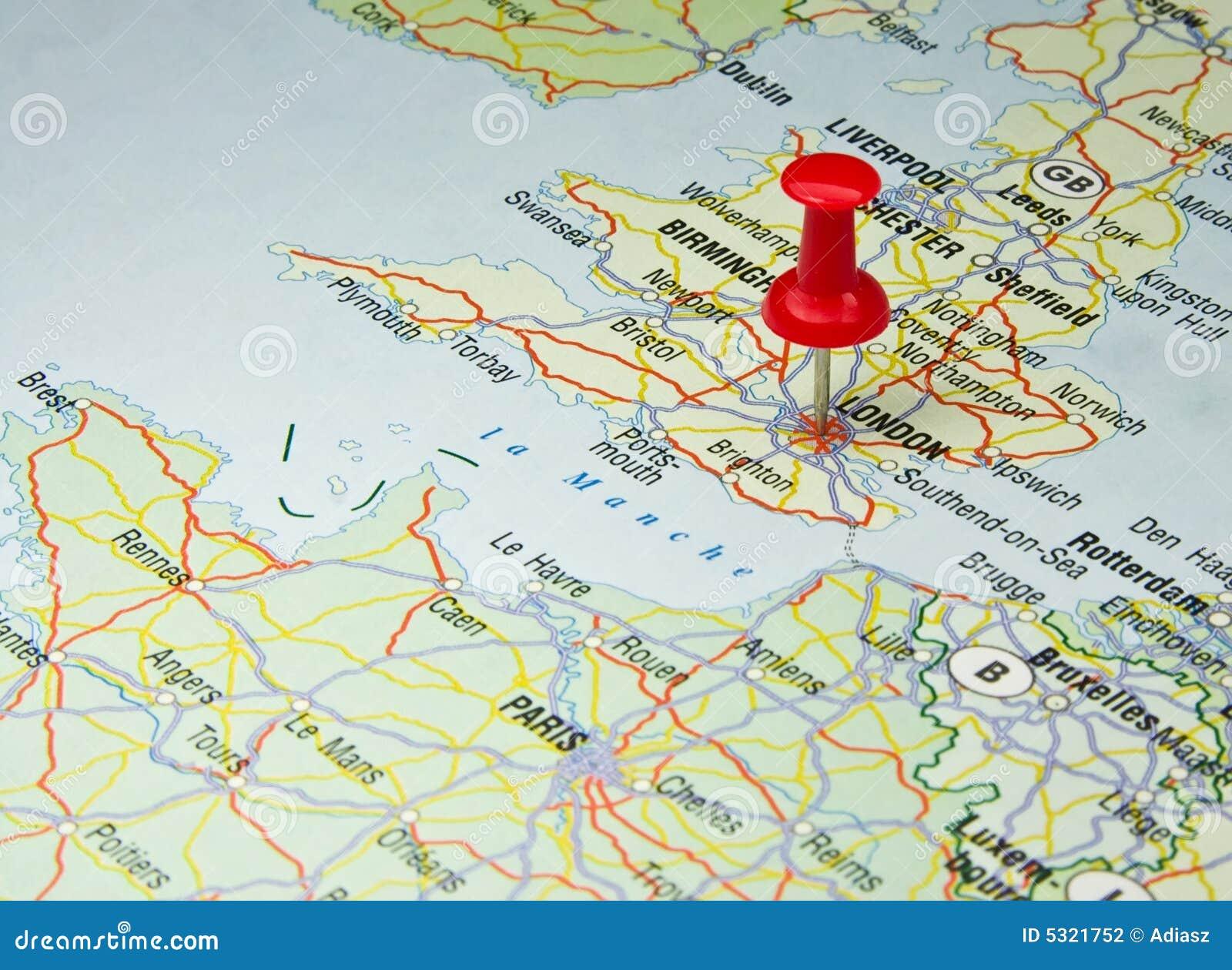 Download Perno Rosso Sul Programma Di Londra Fotografia Stock - Immagine di posizione, programma: 5321752