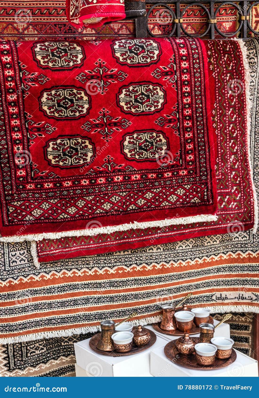 Perscy Dywany W Sklepie Wschodnie Pamiątki Zdjęcie Stock
