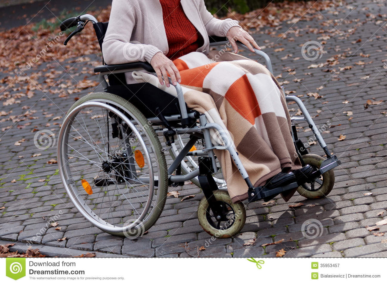 dating person in wheelchair Dating for disabled the forming of friendships and romantic relationships is a vital part of one's life, of being human loving relationships are an important part of the human condition.