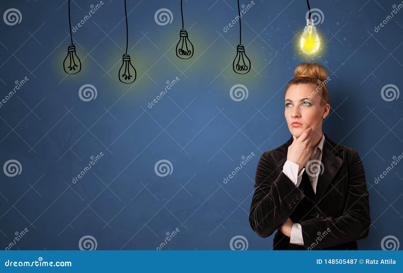 Persona del negocio que busca nueva idea
