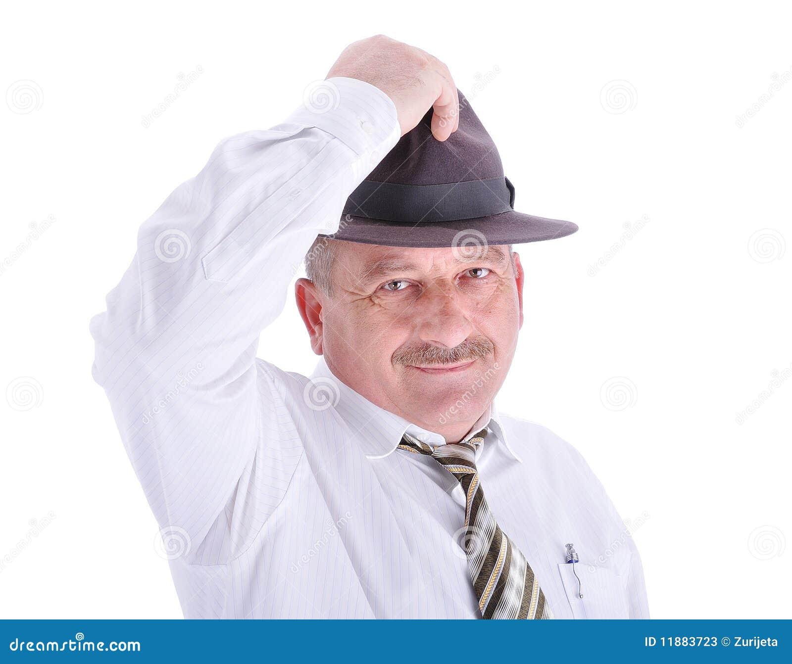 Persona maschio anziana con un cappello