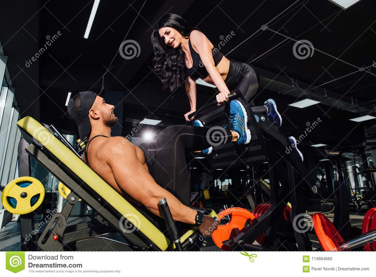 Working sexy out men Straight men